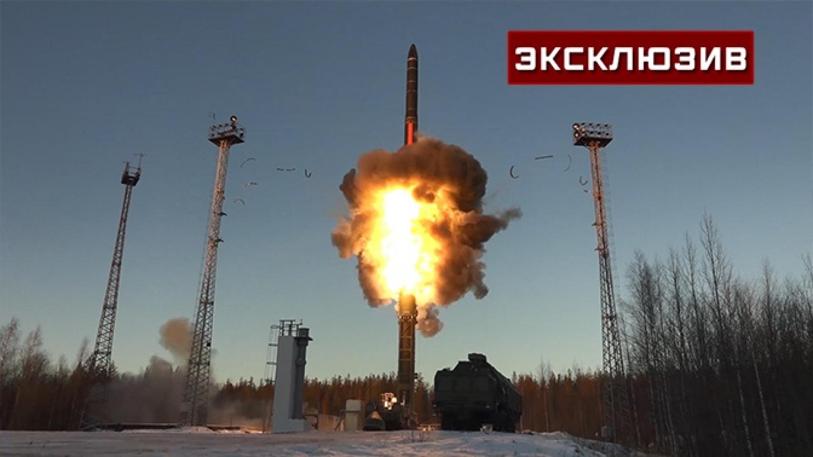Cận cảnh vụ phóng ICBM Yars uy lực của Nga qua nhiều góc máy