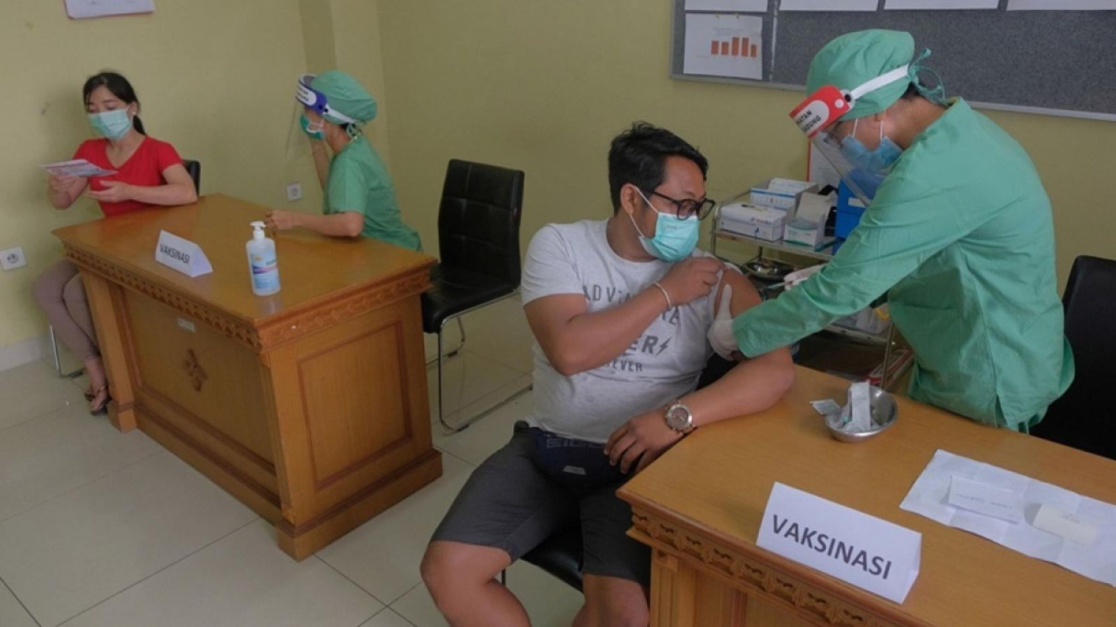 Indonesia sẽ cung cấp vaccine phòng Covid-19 miễn phí cho công dân
