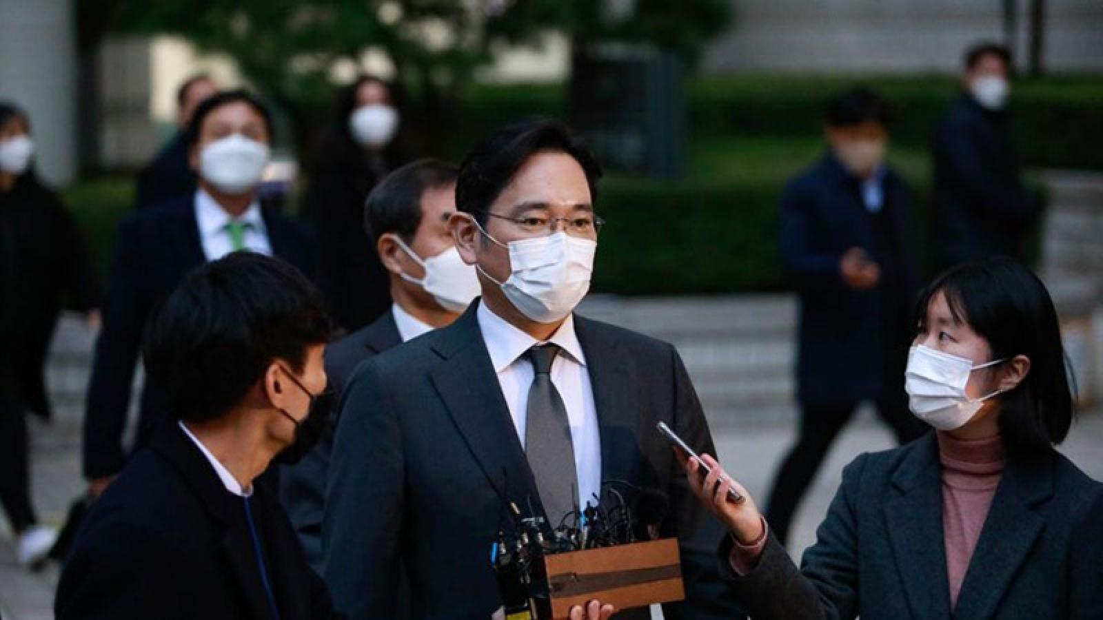 """""""Thái tử"""" Samsung đối diện án phạt 9 năm tù vì tội hối lộ"""