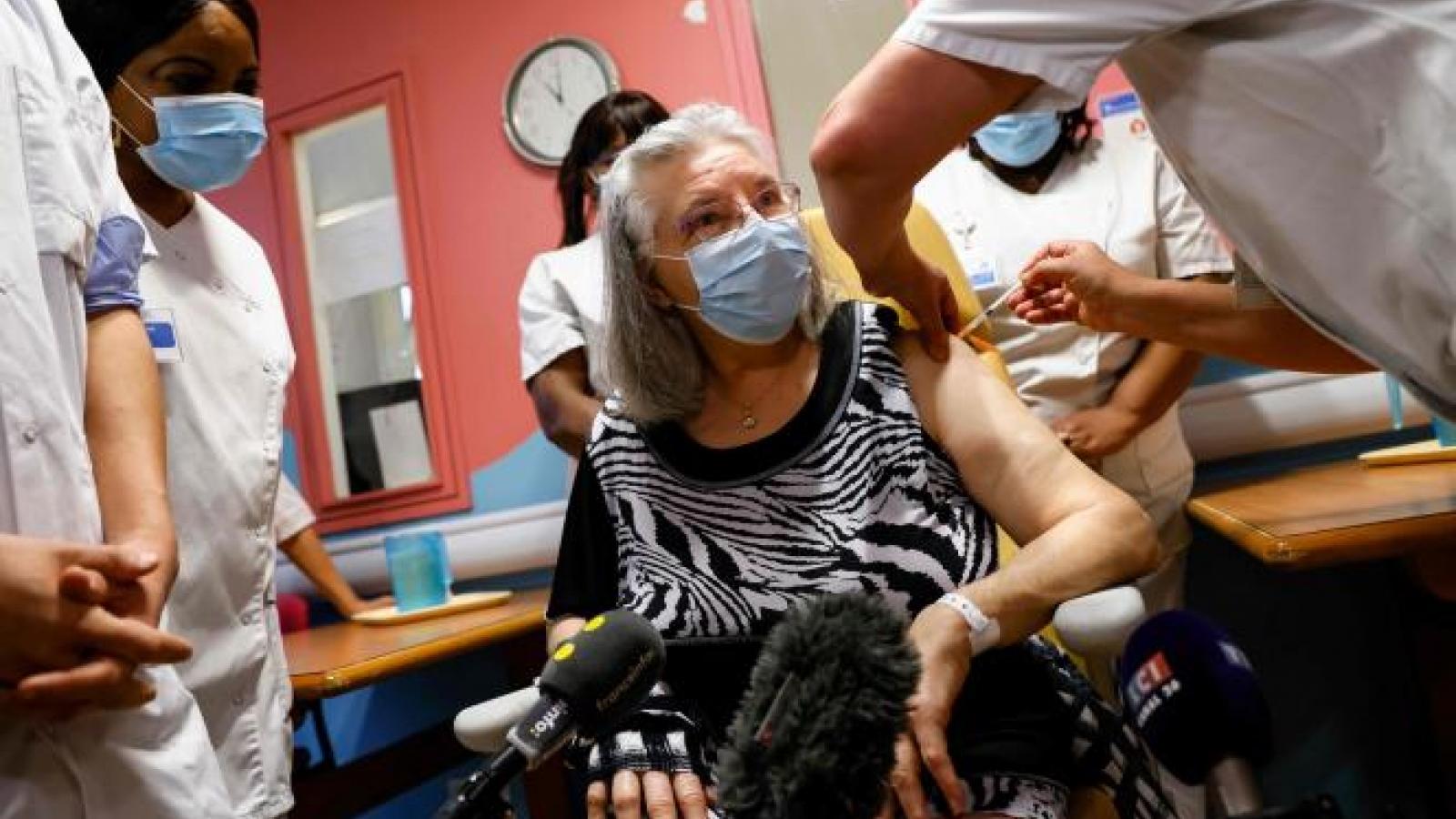 Pháp khởi động chiến dịch tiêm chủng ngừa Covid-19