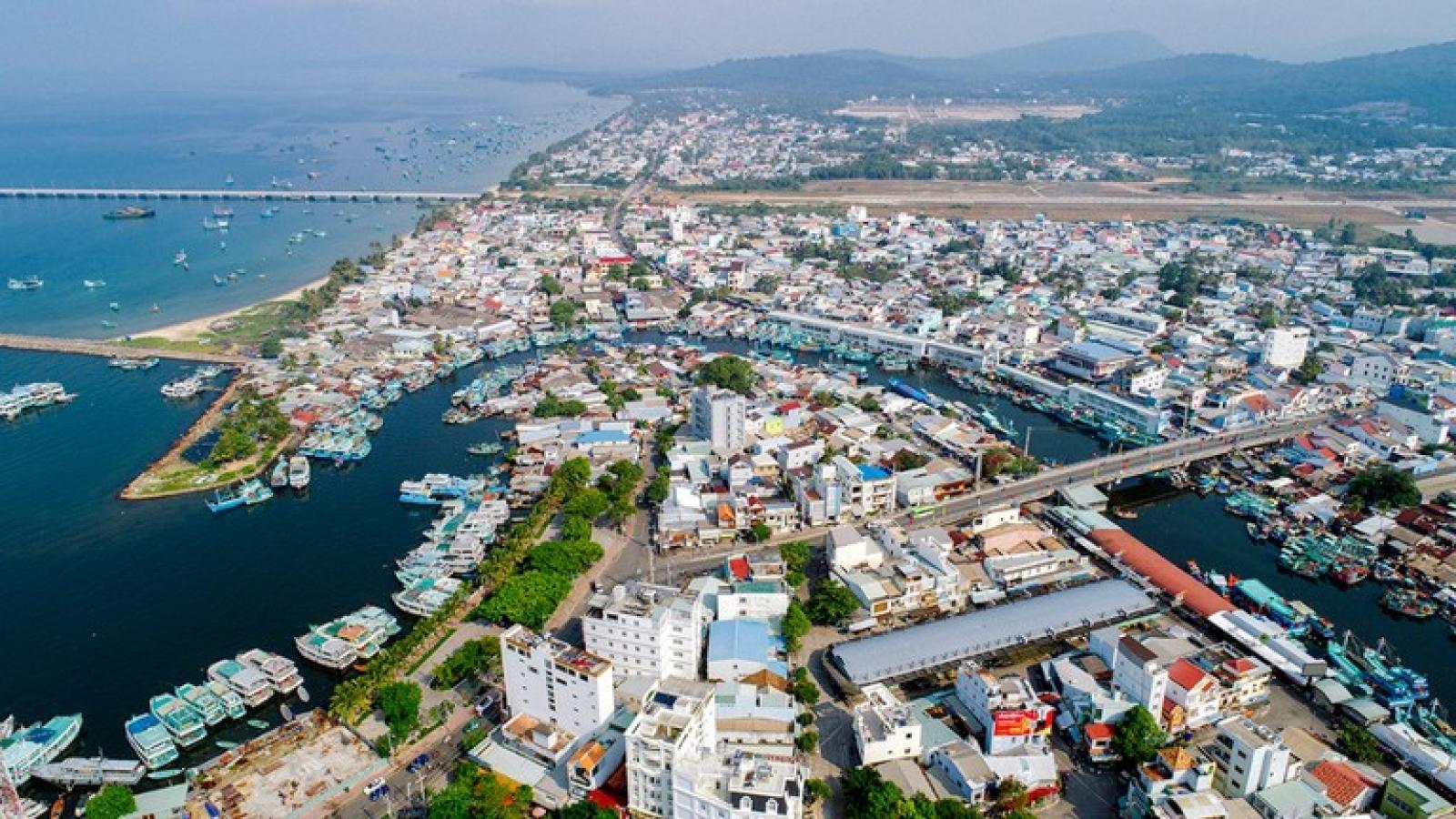 Xem xét thành lập 2 thành phố Phú Quốc và Thủ Đức