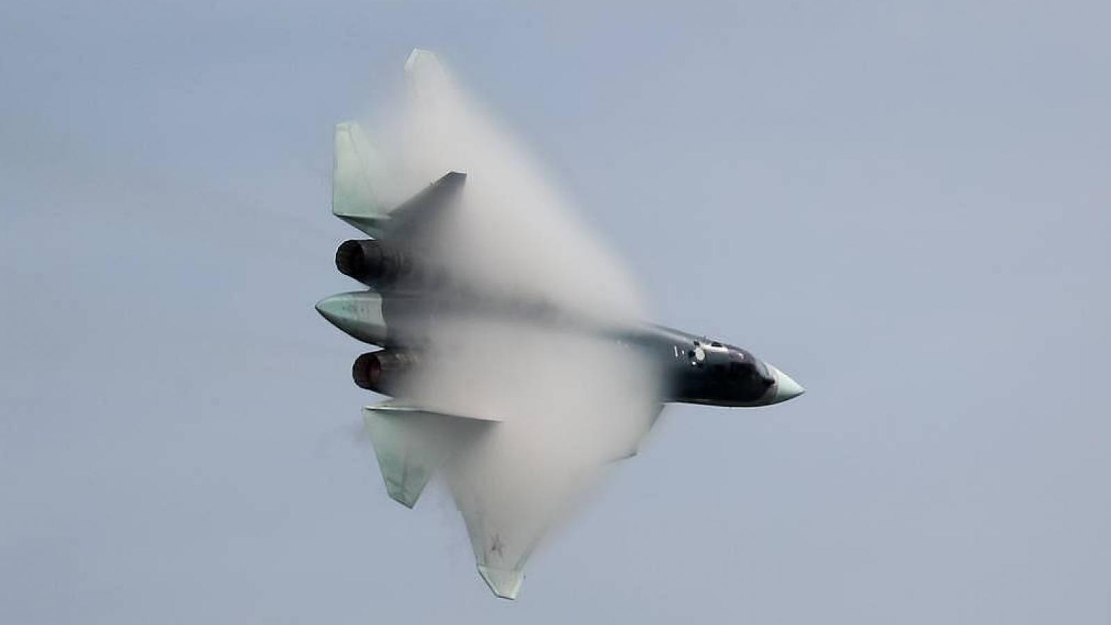 Cận cảnh tiêm kích tàng hình Su-57 sản xuất loạt đầu quân đội Nga vừa nhận