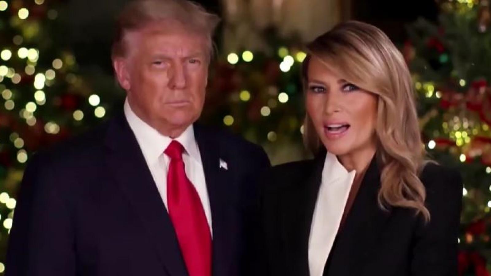 Vợ chồng Tổng thống Trump chúc mừng Giáng sinh, gọi vaccine Covid-19 là phép màu