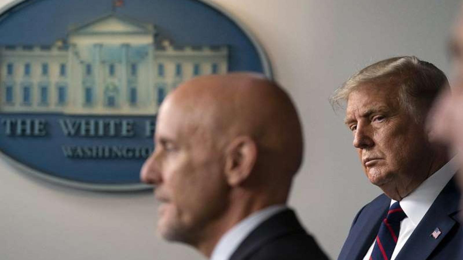 Tổng thống Trump giận dữ vì lo Mỹ về sau trong cuộc đua vaccine toàn cầu