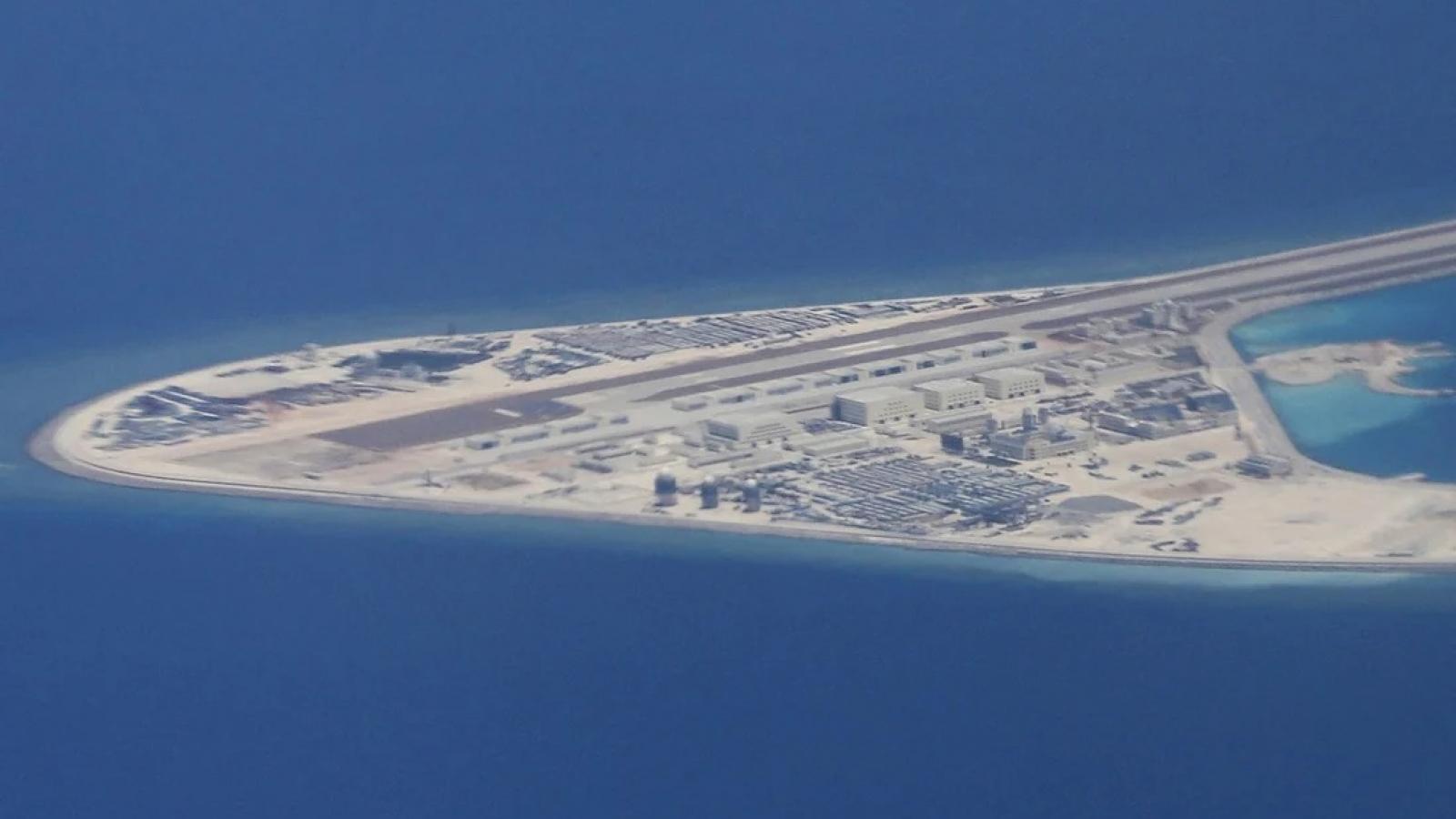 Các căn cứ quân sự phi pháp của Trung Quốc ở Biển Đông dễ bị tấn công tiêu diệt