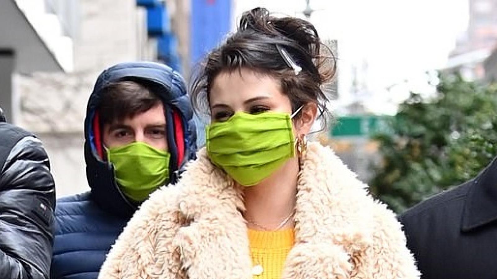 Selena Gomez rạng rỡ trở lại phim trường