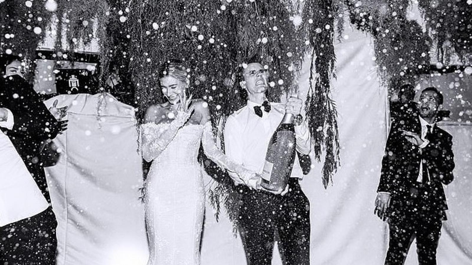 Hình ảnh chưa từng công bố trong lễ cưới xa hoa của Justin Bieber và Hailey Baldwin