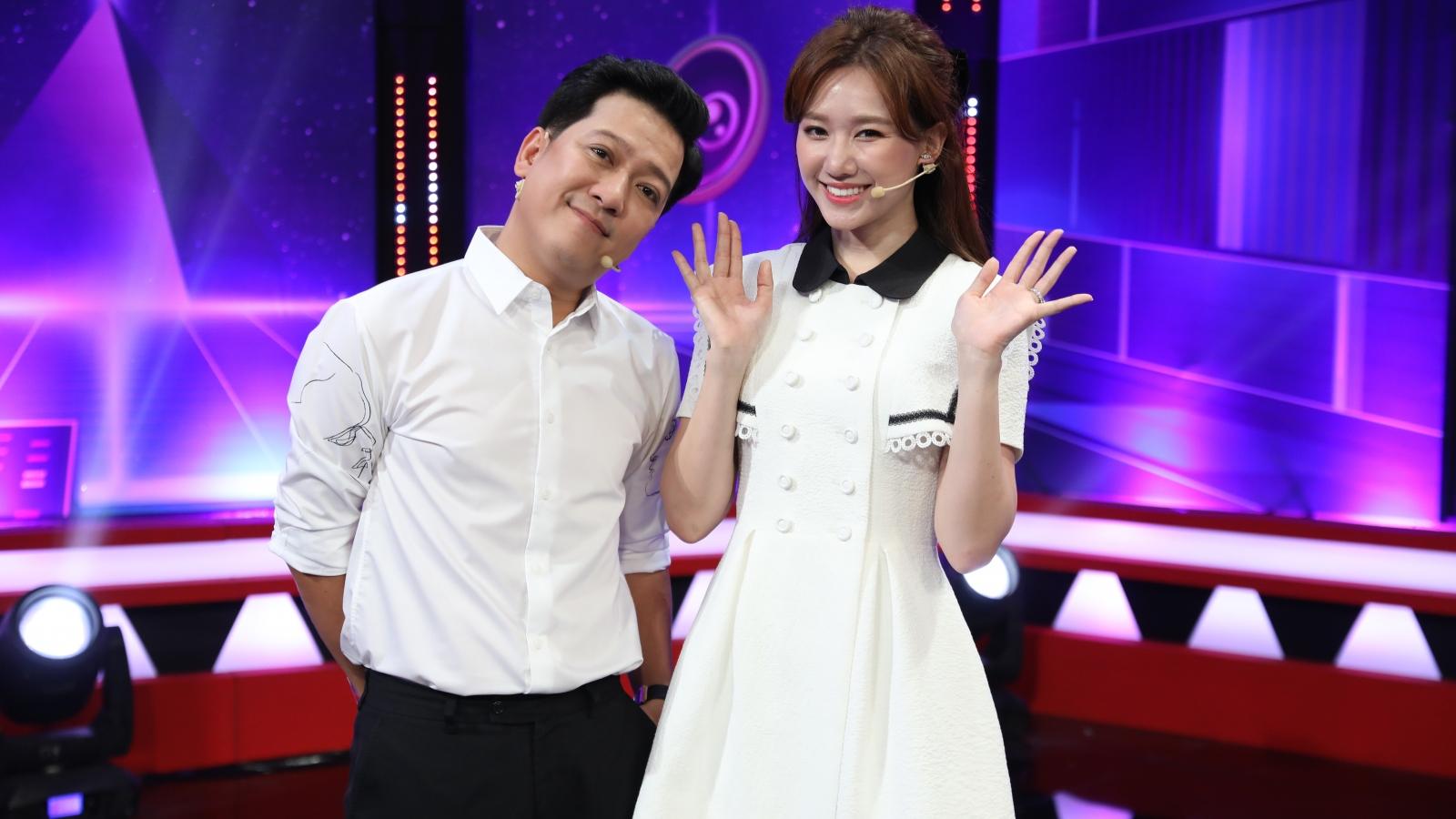 """Trường Giang liên tục """"đẩy thuyền"""" cho Yaya Trương Nhi và Hồ Việt Trung"""