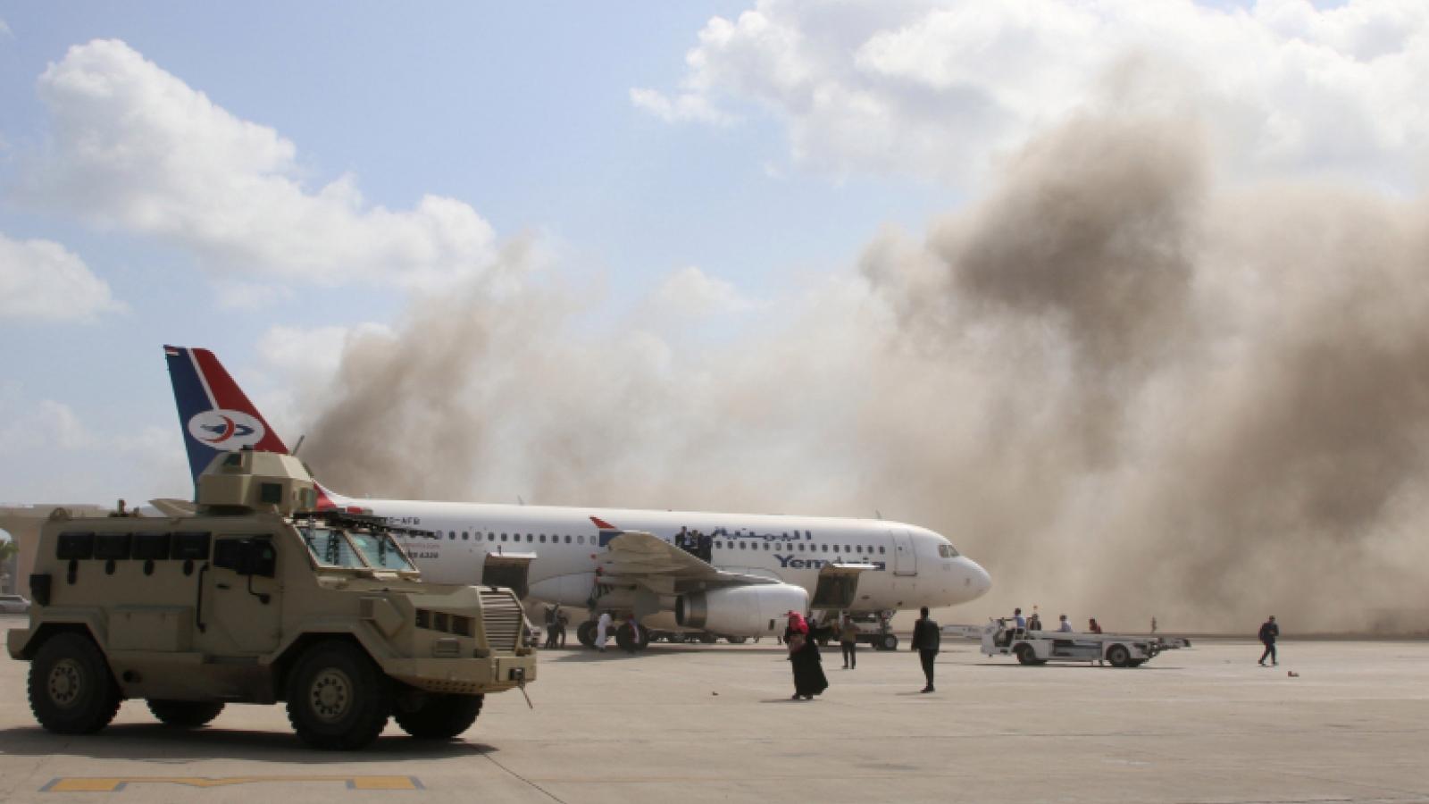 Sân bay Yemen rung chuyển vì vụ nổ, ít nhất 12 người thiệt mạng