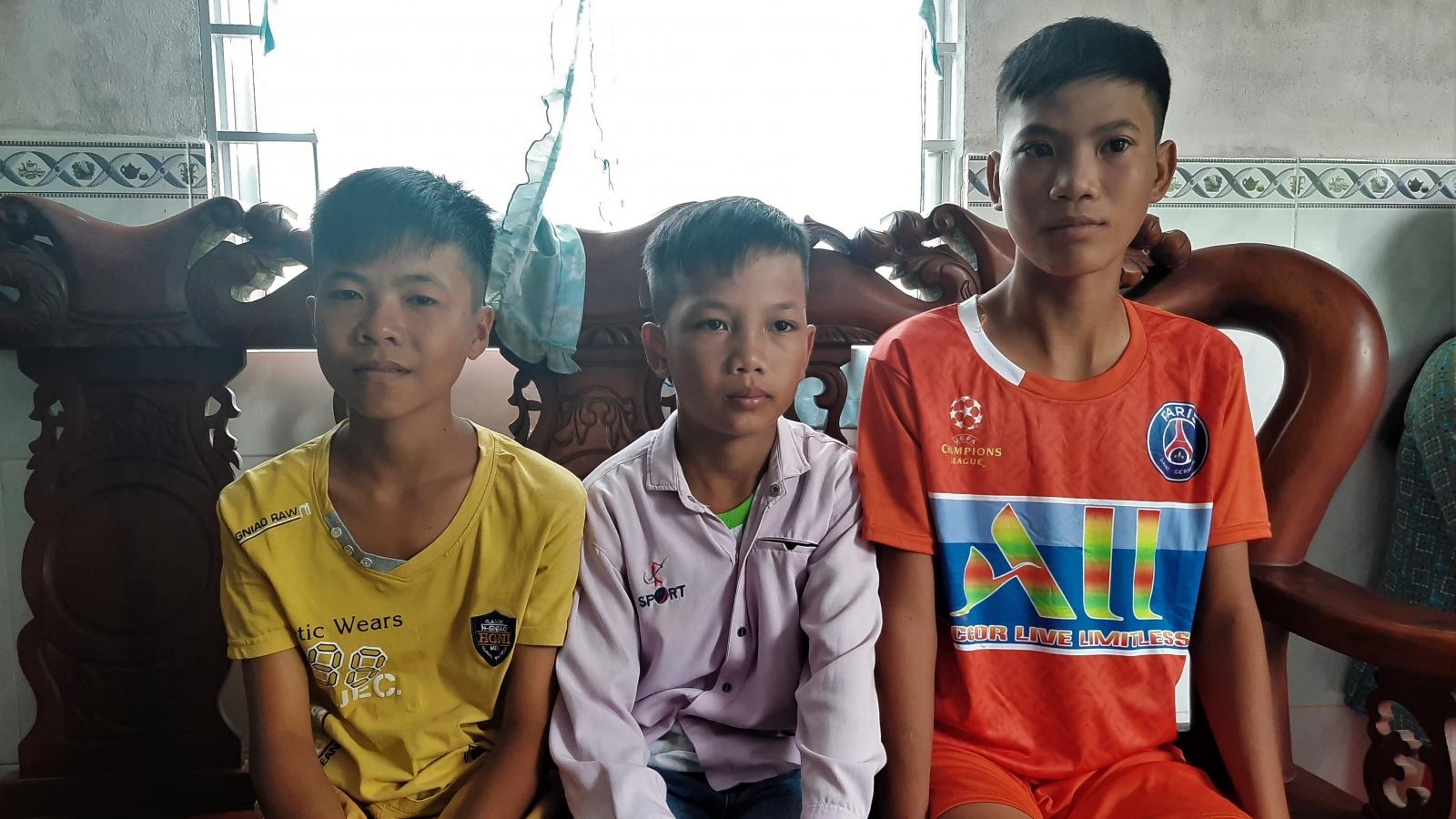 3 em học sinh vượt 400 km đi tìm người thân, vì nhớ và vì muốn giúp cha
