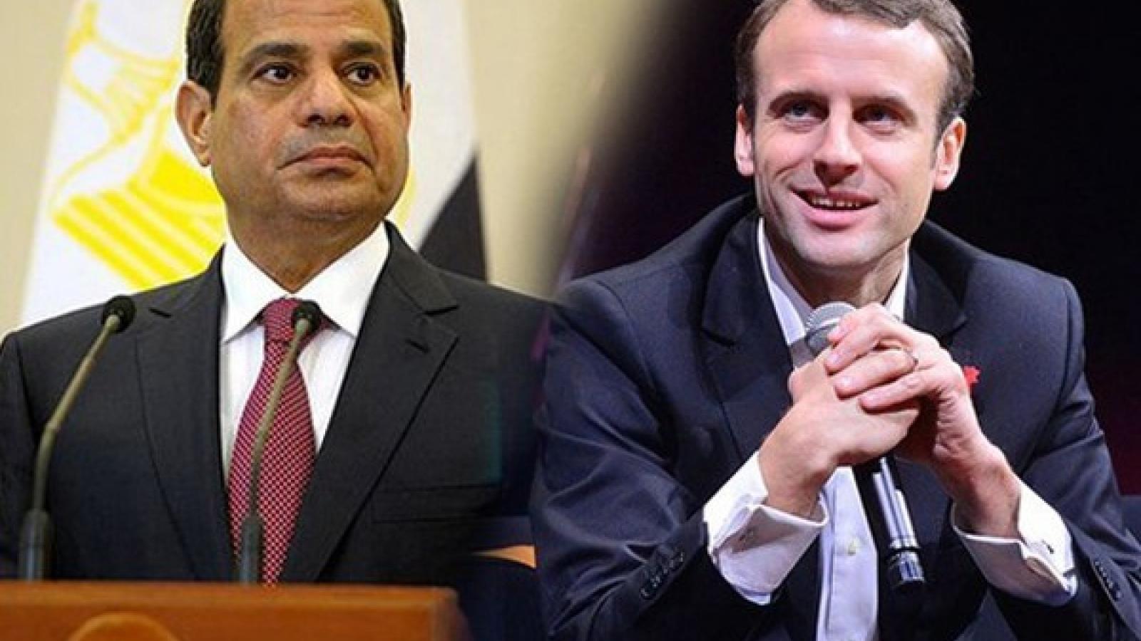 Tổng thống Pháp và Tổng thống Ai Cập tranh cãi công khai về tranh biếm họa