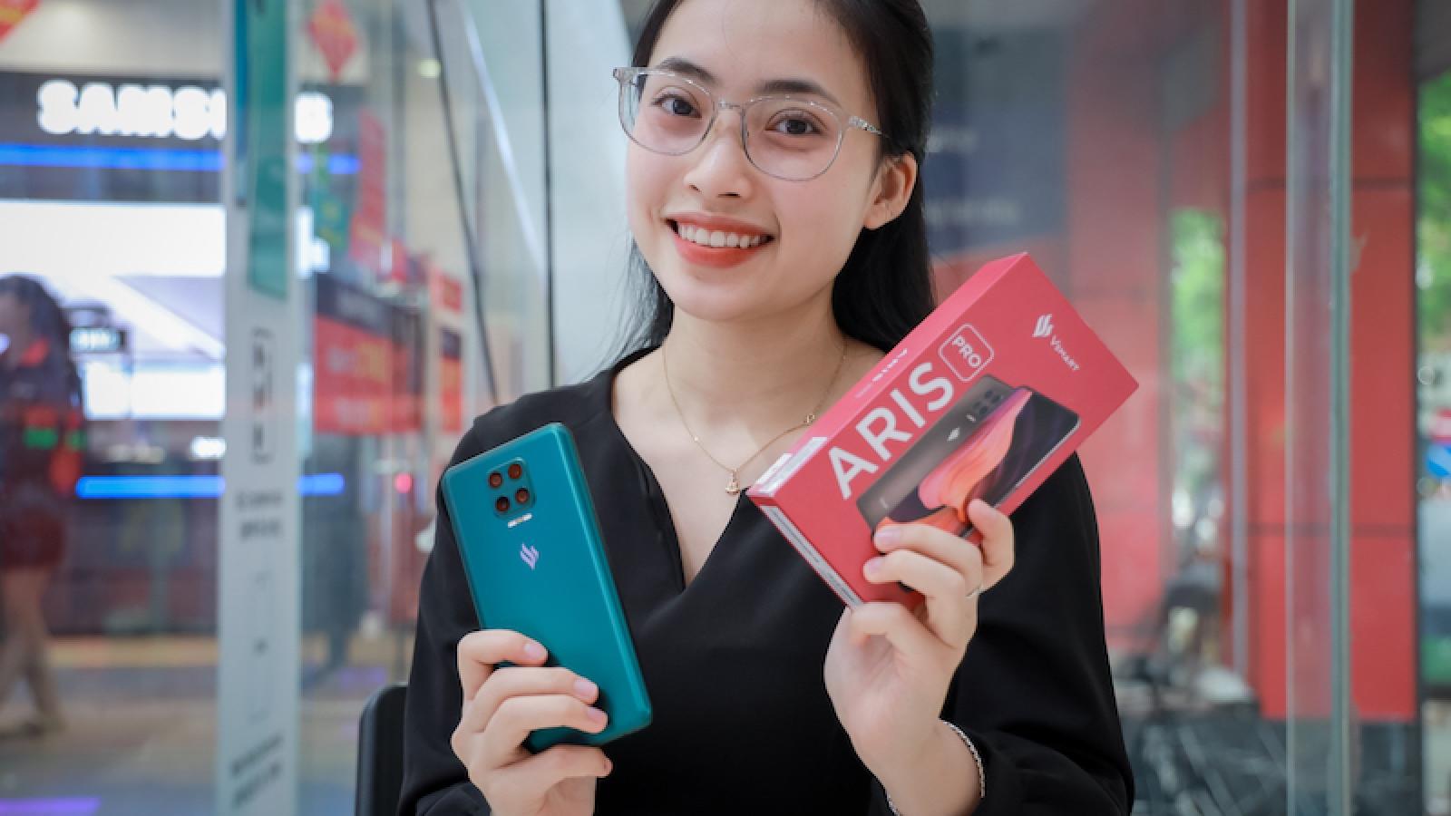 """Thị trường smartphone Việt 2020: Các ông lớn không còn """"ăn ngon ngủ yên"""""""