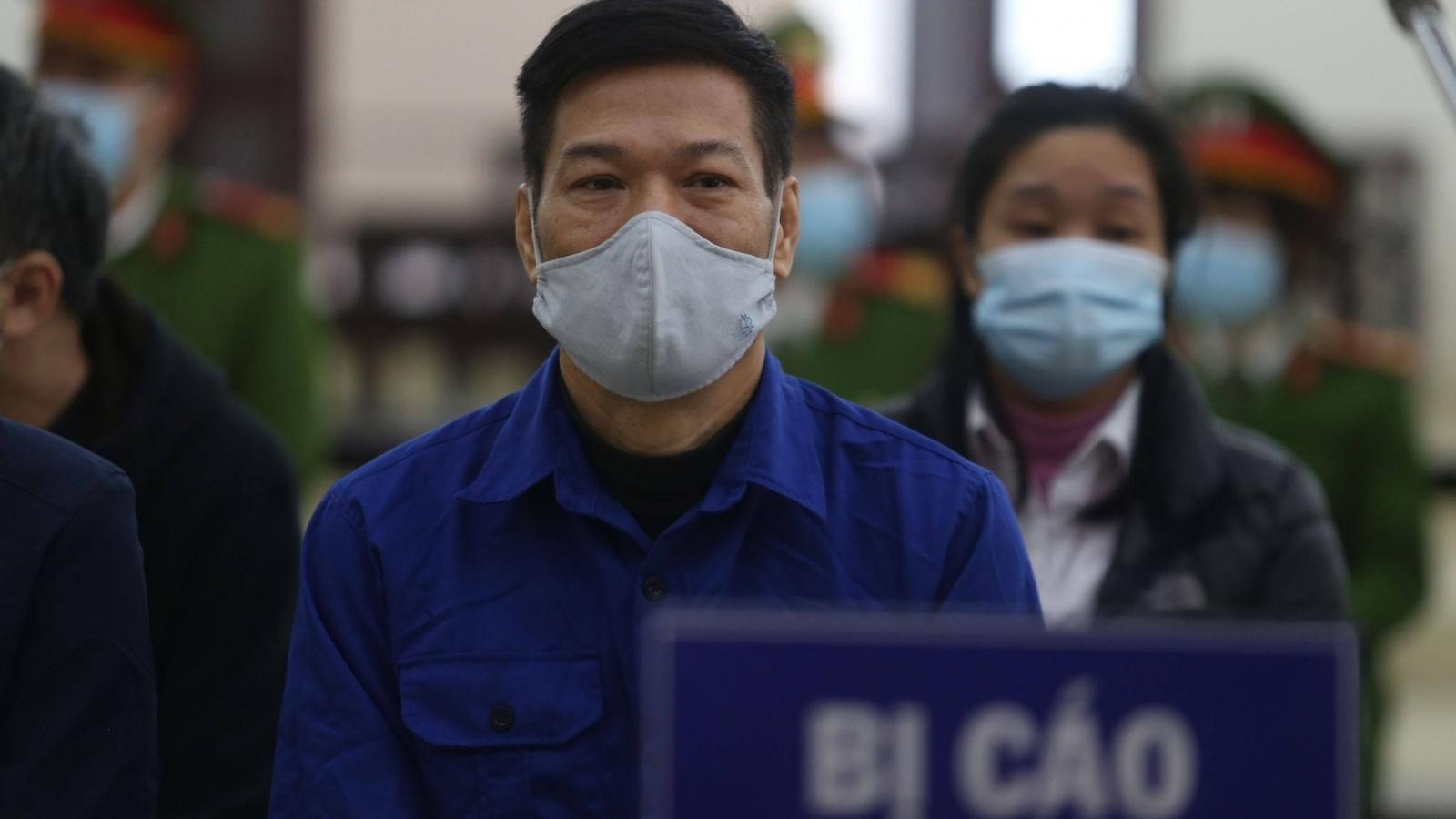 """Cựu Giám đốc CDC Hà Nội phủ nhận lời khai về phần trăm """"hoa hồng"""""""