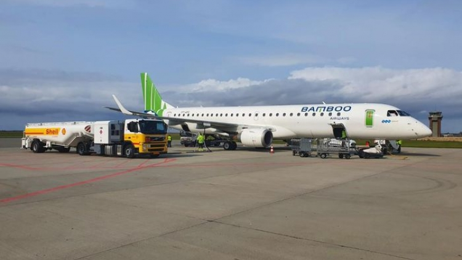Bamboo Airways repatriates nearly 300 Vietnamese citizens from Russia