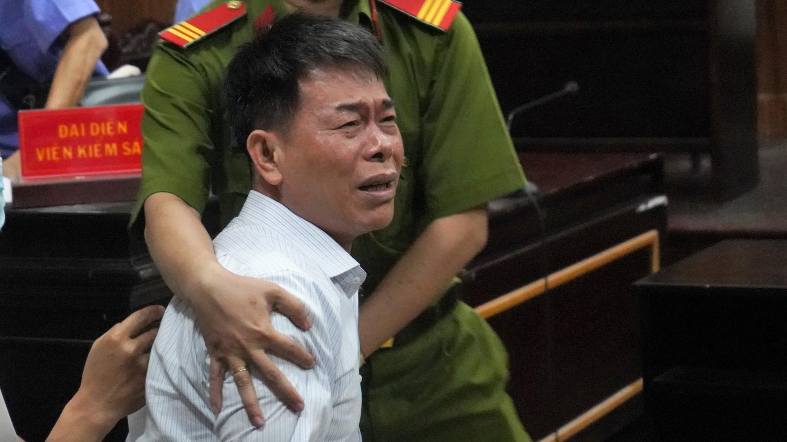 Xâm phạm chỗ ở của người khác, cựu Phó Chánh án TAND lĩnh án 1 năm 5 tháng tù