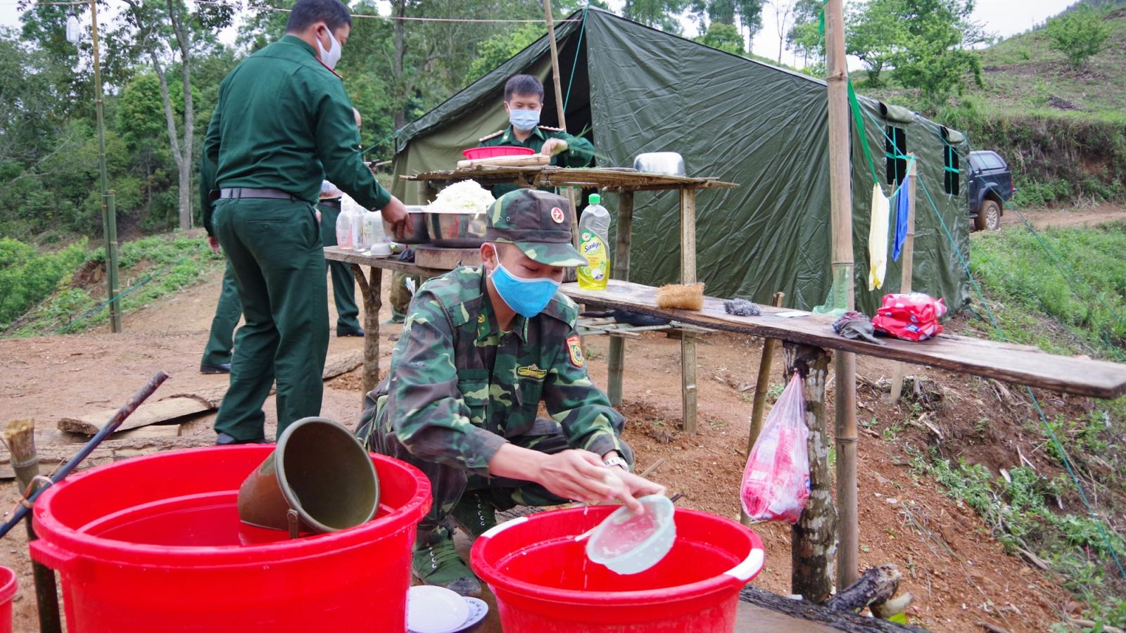 Lính biên phòng Sơn La kiên trì bám chốt phòng chống dịch Covid-19