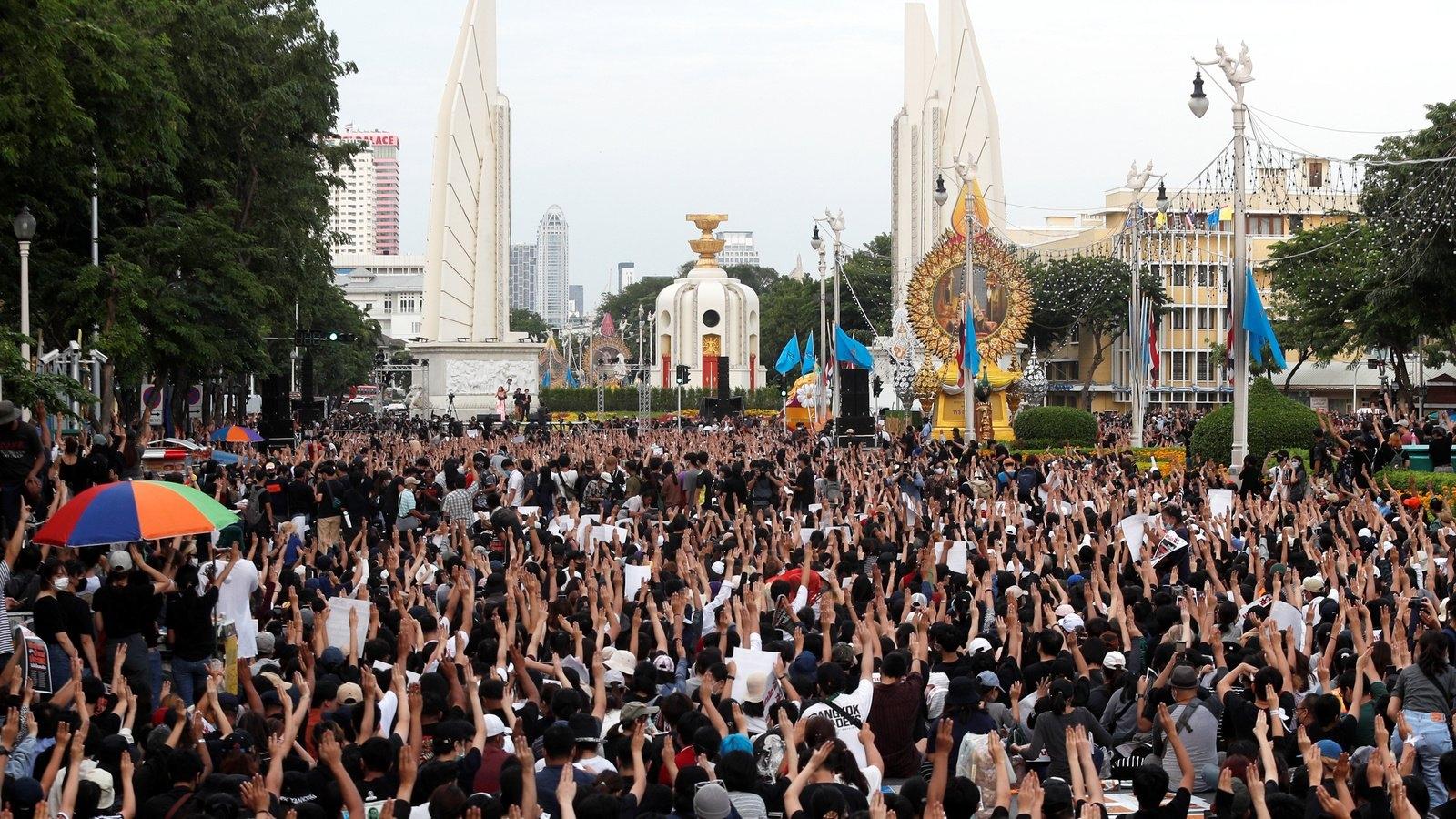 Dịch Covid-19 đã xoa dịu xung đột ở Đông Nam Á như thế nào?