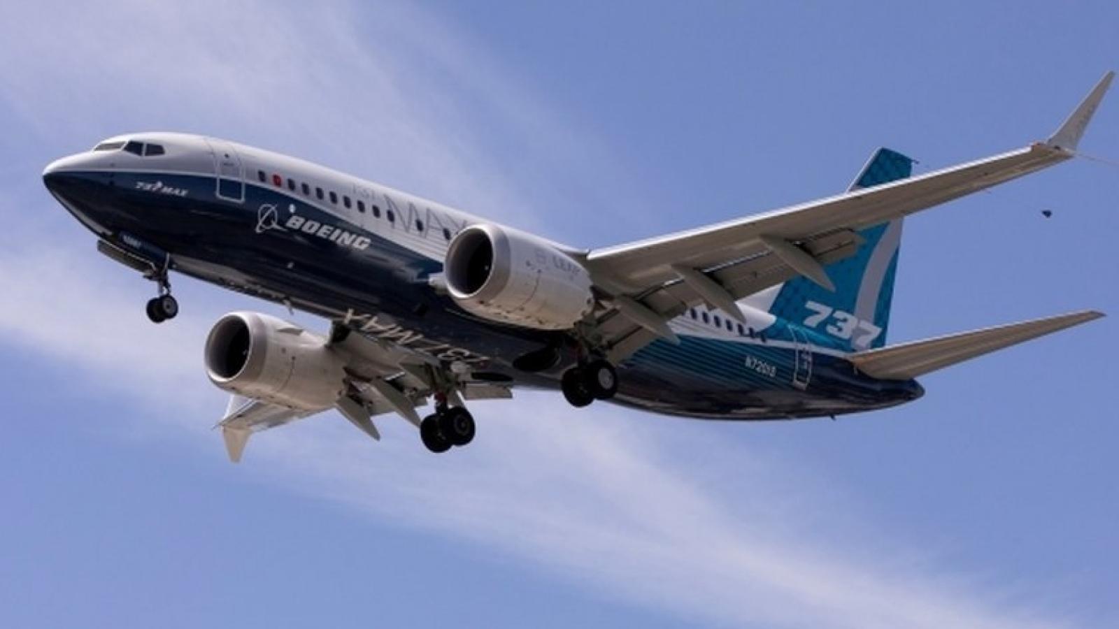 Máy bay Boeing 737-8 MAX gặp sự cố, phải tắt một động cơ và chuyển hướng bay