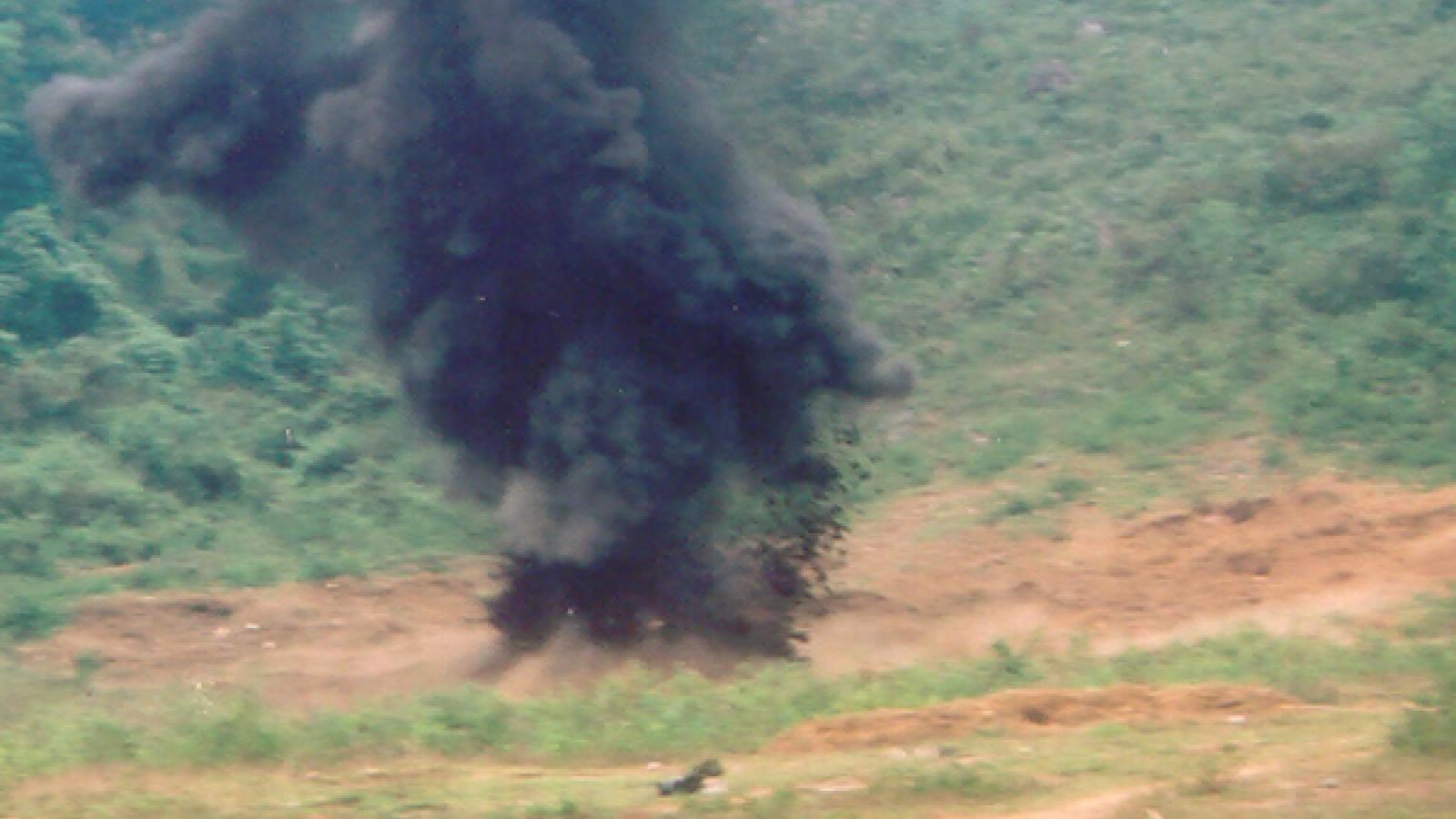 Quả bom nổ trong cối xay nguyên liệu đóng gạch, một người tử vong