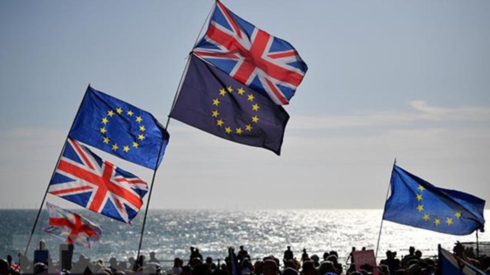 Anh – EU thông qua bản dự thảo thỏa thuận thương mại hậu Brexit