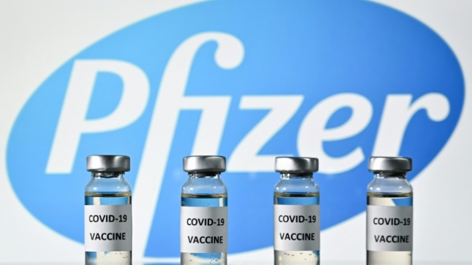 Thủ tướng Séc đề xuất chia 1 lọ vắc xin của Pfizer thành 6 liều thay vì 5 liều