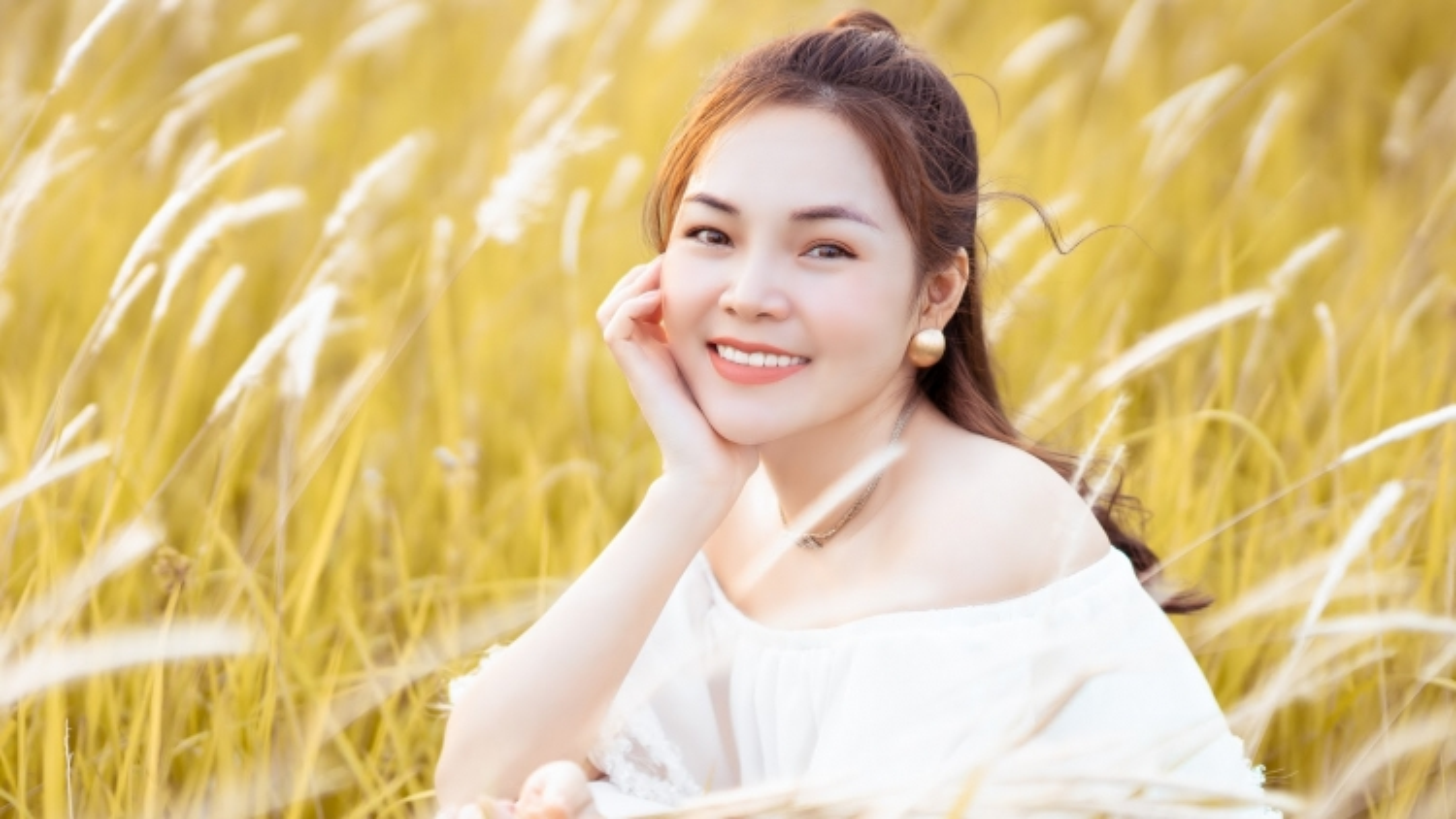 Ca sĩ Lâm Nguyệt Ánh: Rất áp lực và chơi vơi khi theo đuổi dòng nhạc xưa