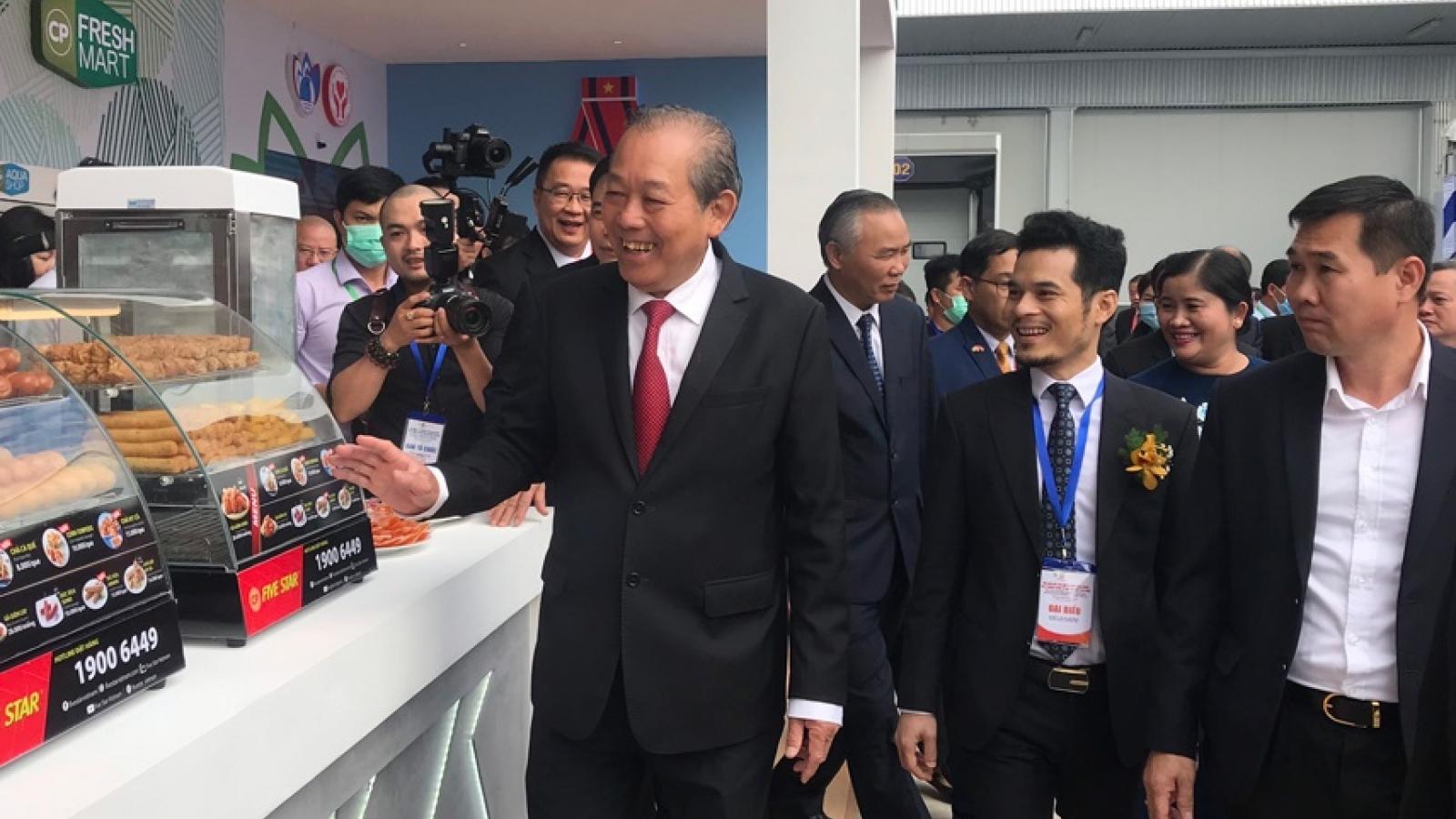 Phó Thủ tướng Trương Hòa Bình dự Hội nghị xúc tiến đầu tư tại Bình Phước
