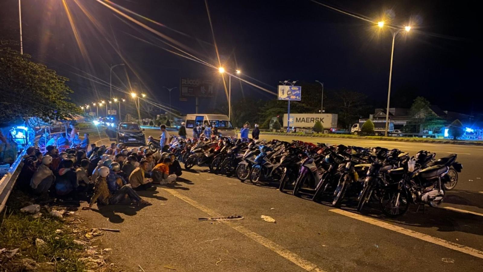 Vây bắt 52 người đua xe trái phép trên cầu Cần Thơ