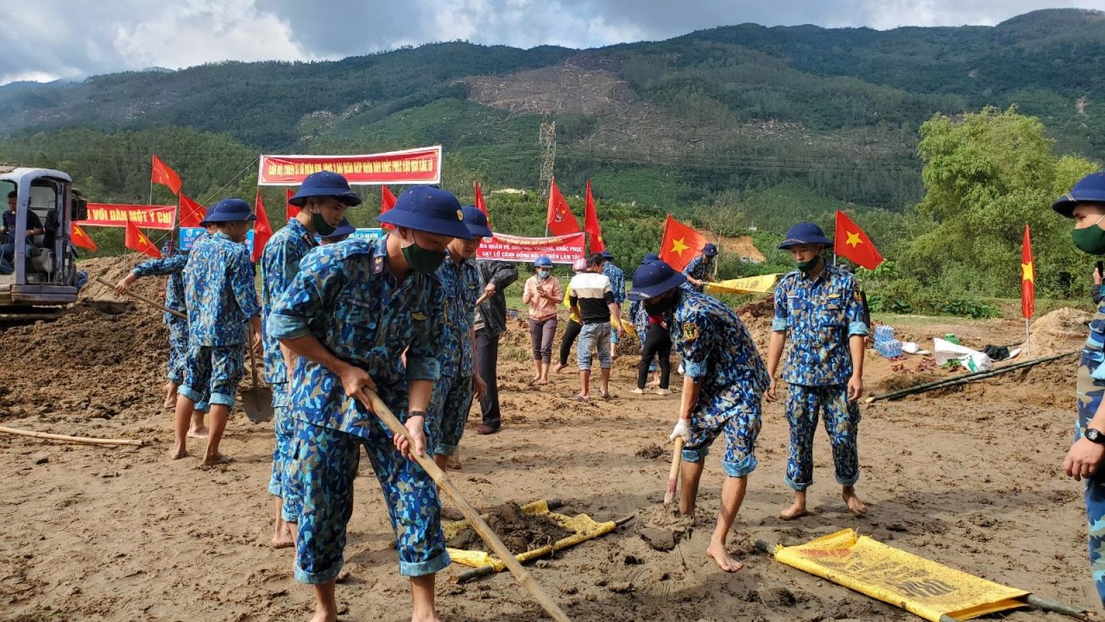 Lữ đoàn 680, Vùng 3 Hải quân giúp người dân Quảng Nam khắc phục hậu quả bão lũ