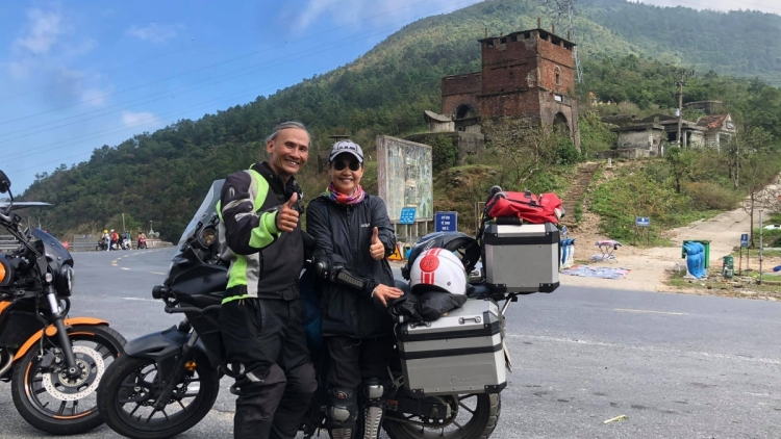 Người đàn ông 67 tuổi phượt mô tô xuyên Á-Âu
