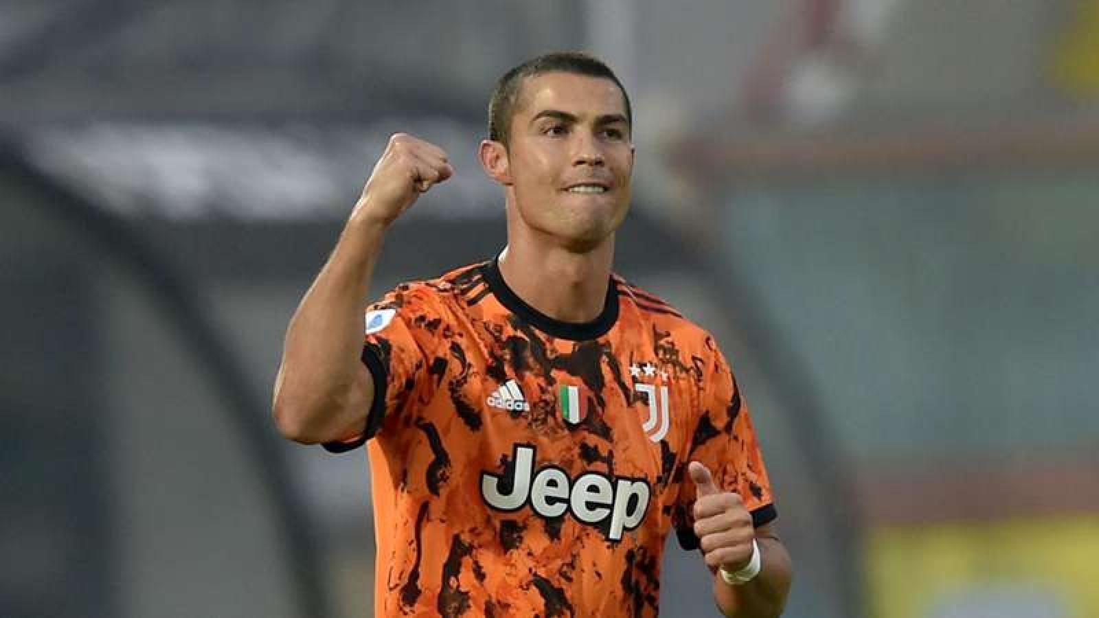 Ronaldo: Tôi thích xem UFC hơn xem bóng đá