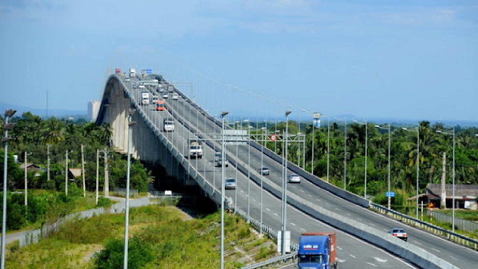 Sau 10 năm, Việt Nam có gần 1.200km đường cao tốc