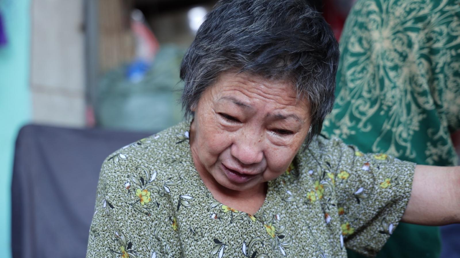 Chuyện đời tảo tần của cụ bà bán xôi một mình nuôi chồng liệt giường