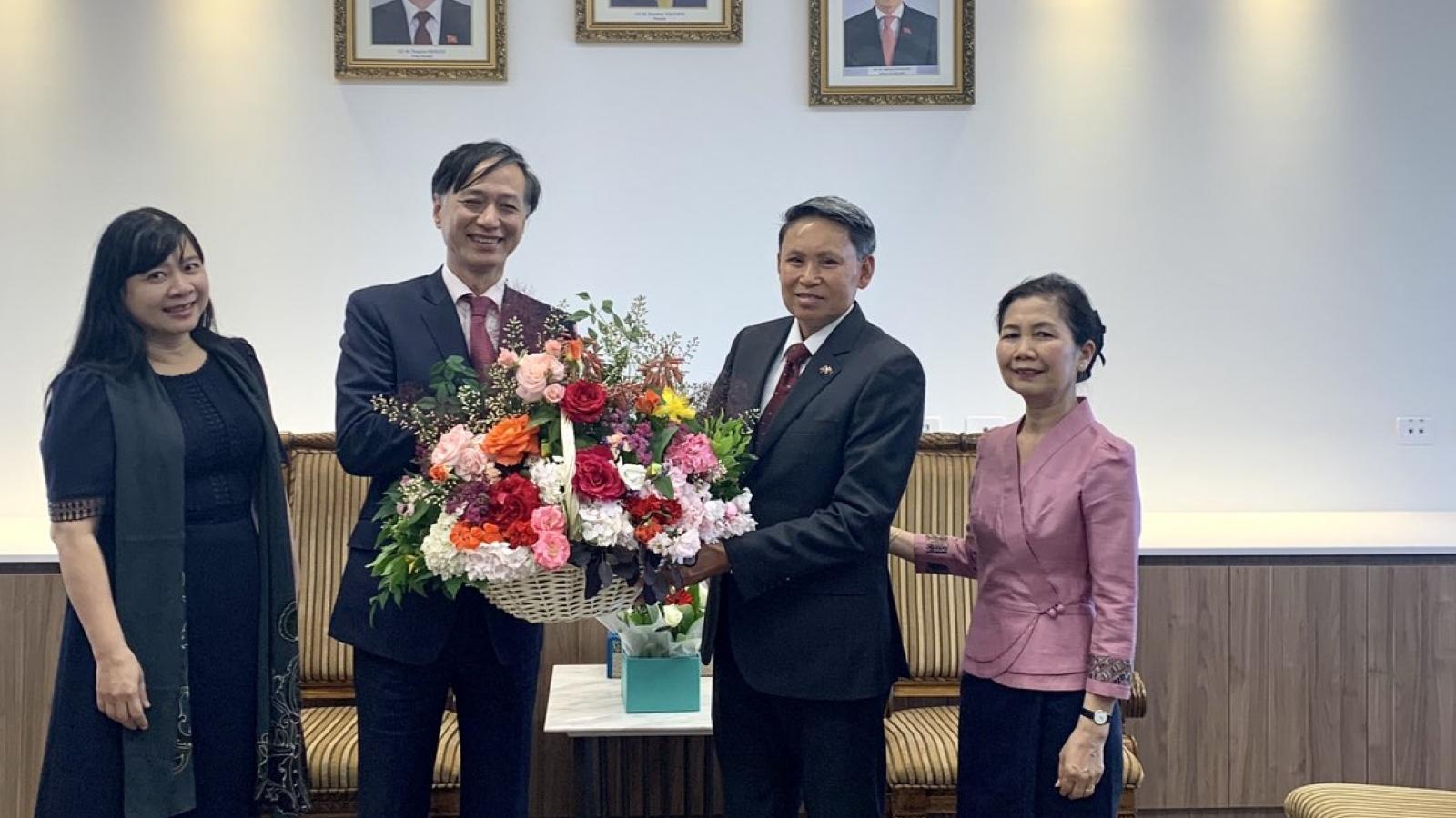 Đại sứ Việt Nam tại Australia chúc mừng 45 năm Quốc khánh CHDCND Lào