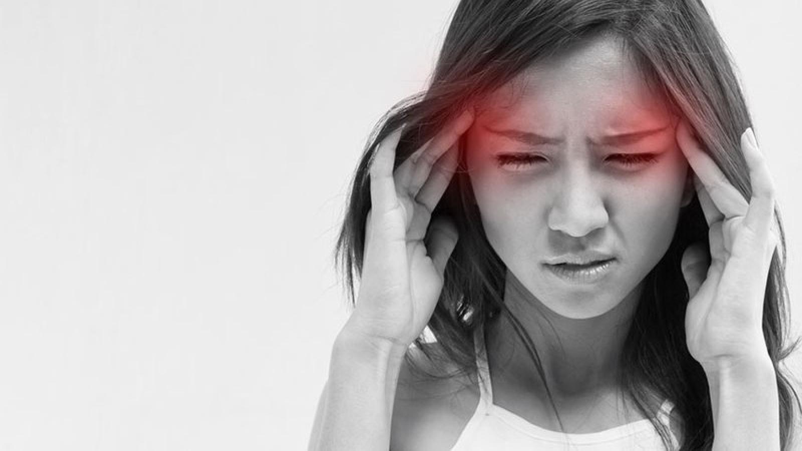 Đau nửa đầu migraine có thế gây đột quỵ ở người trẻ