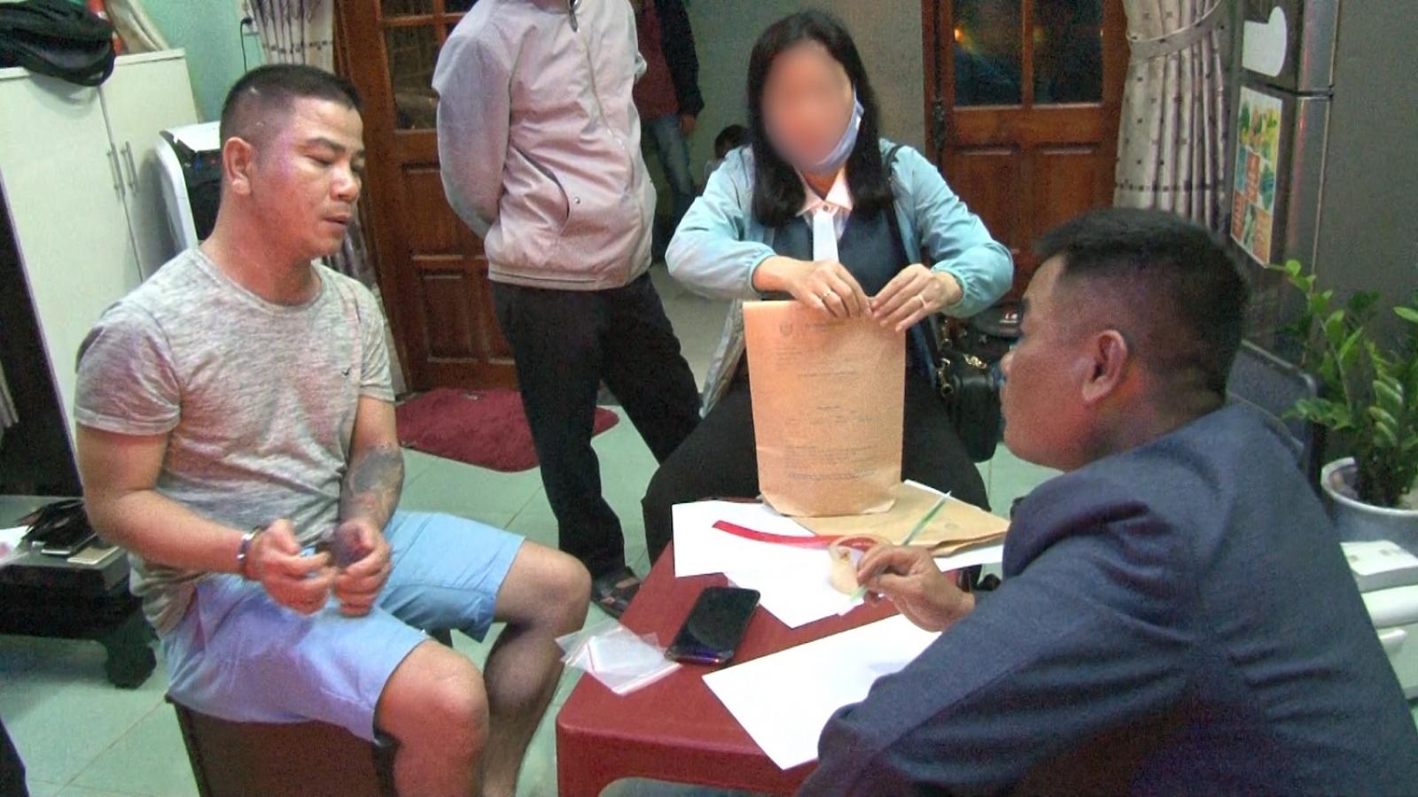 Phá chuyên án thu giữ hơn 2.000 viên hồng phiến và khoảng 0,5 kg ma túy đá