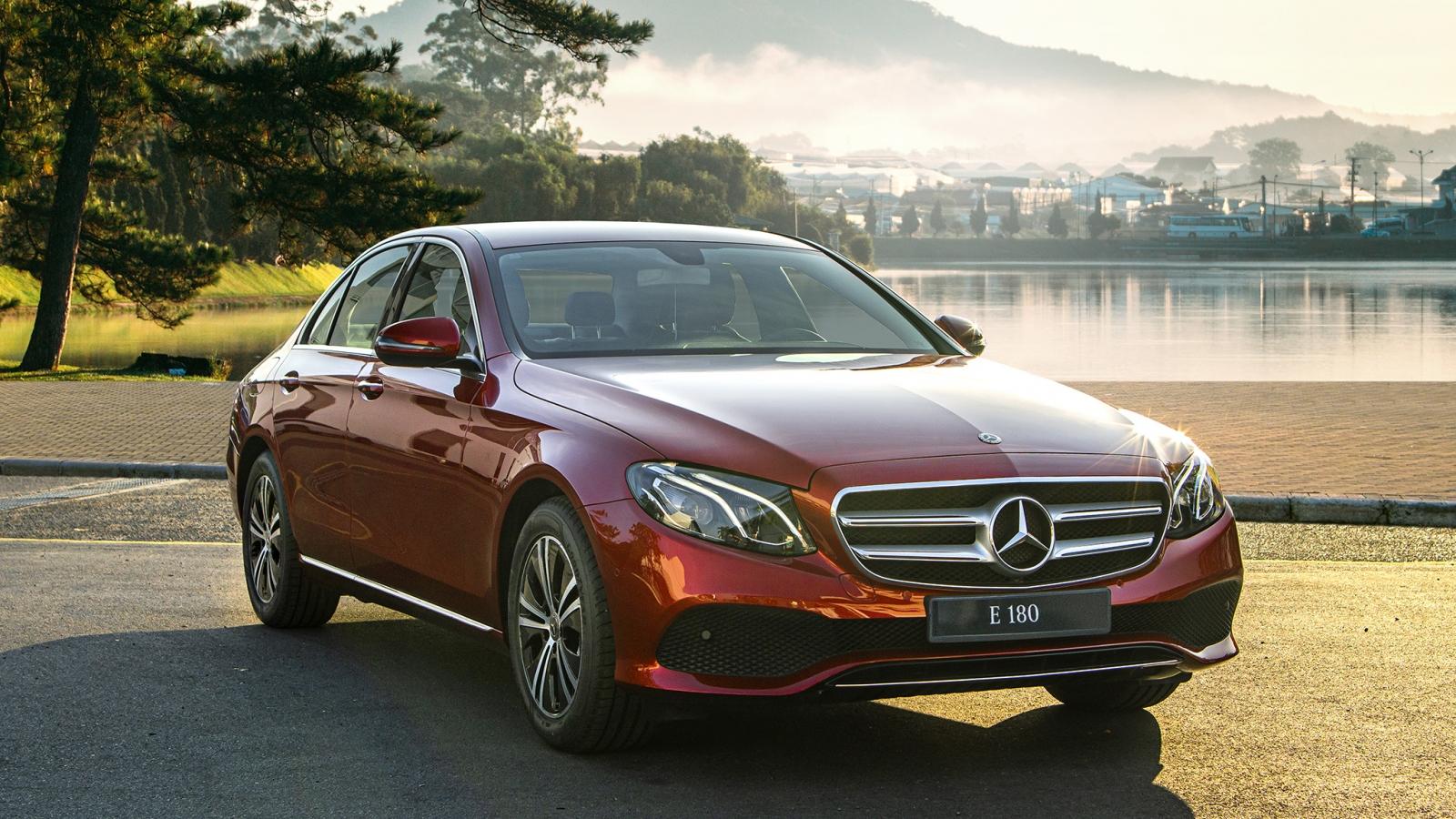 Lựa chọn sedan nào trong tầm giá 2 tỷ đồng?