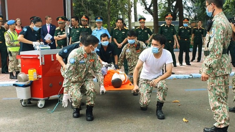 In photos: Staff at Level-2 field Hospital No. 3 attend training course