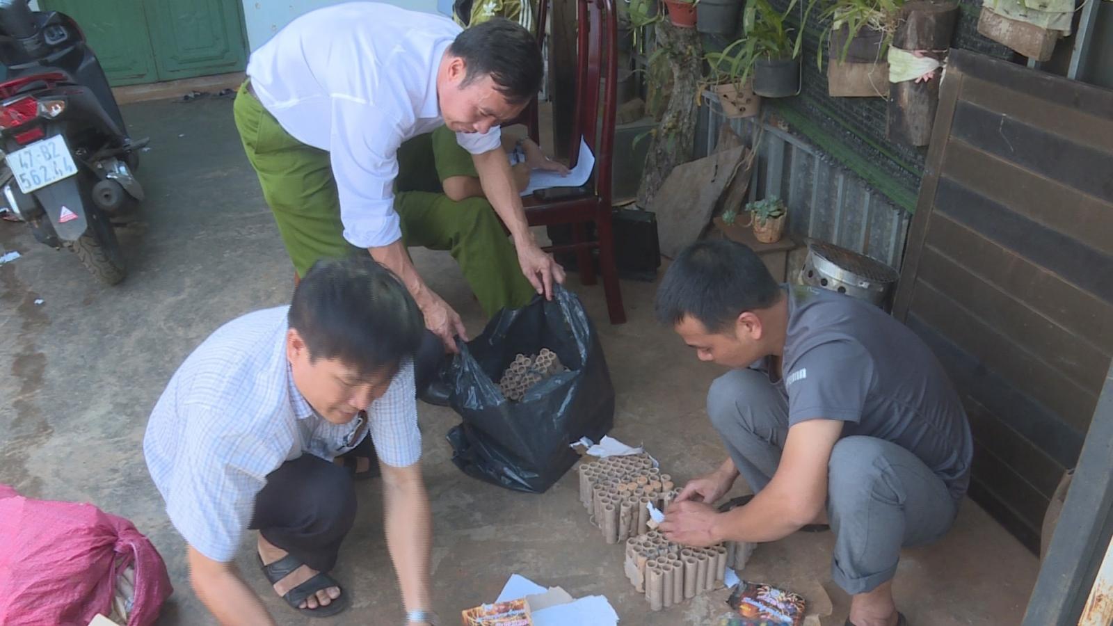 Khởi tố đối tượng mua pháo từ Gia Lai về Đắk Lắk tiêu thụ