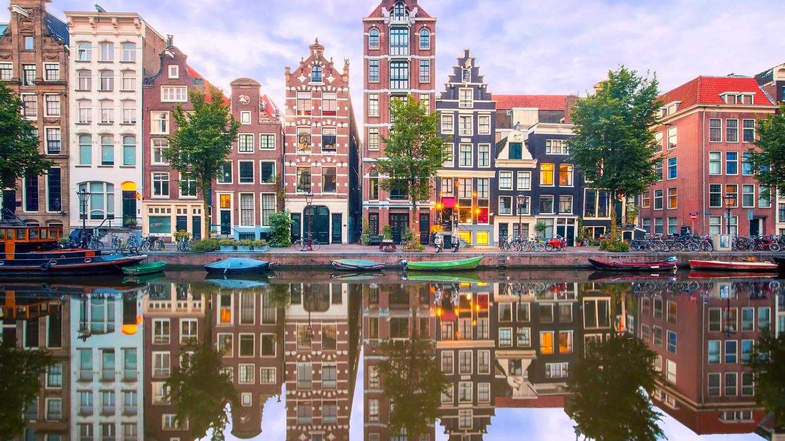 Sắp mở đường bay không cách ly tới Amsterdam