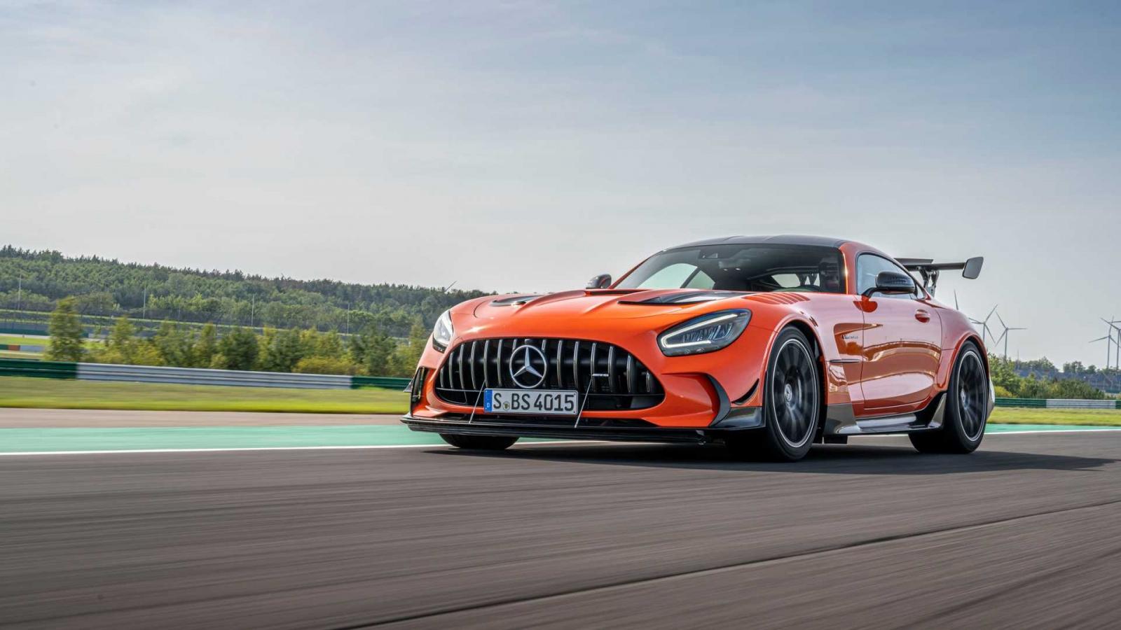 Khám phá Mercedes-Benz AMG GT Black Series giá hơn 300.000 USD