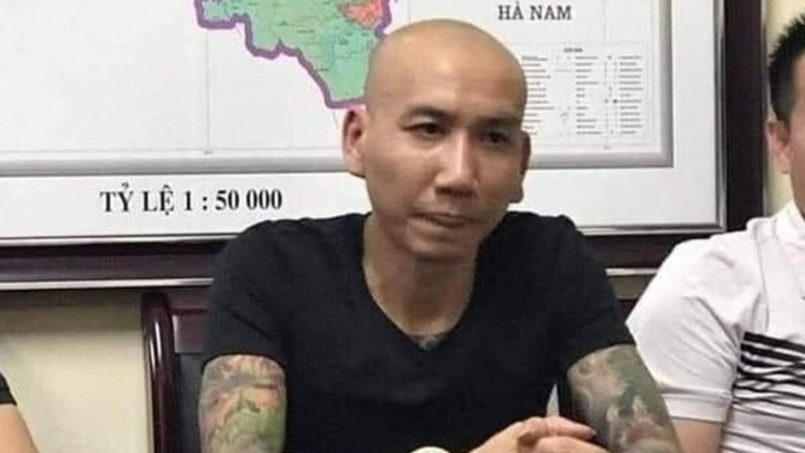 """""""Giang hồ mạng"""" Phú Lê thoả thuận gì để bị hại rút đơn?"""