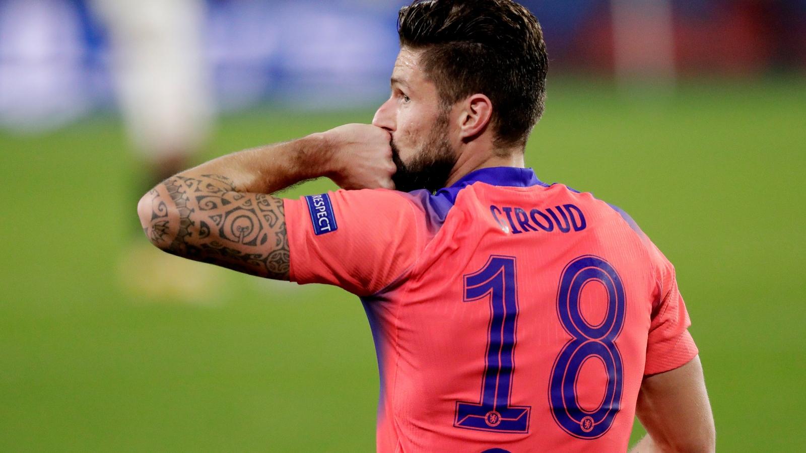 Giroud lập poker vào lưới Sevilla, Chelsea giành ngôi nhất bảng E