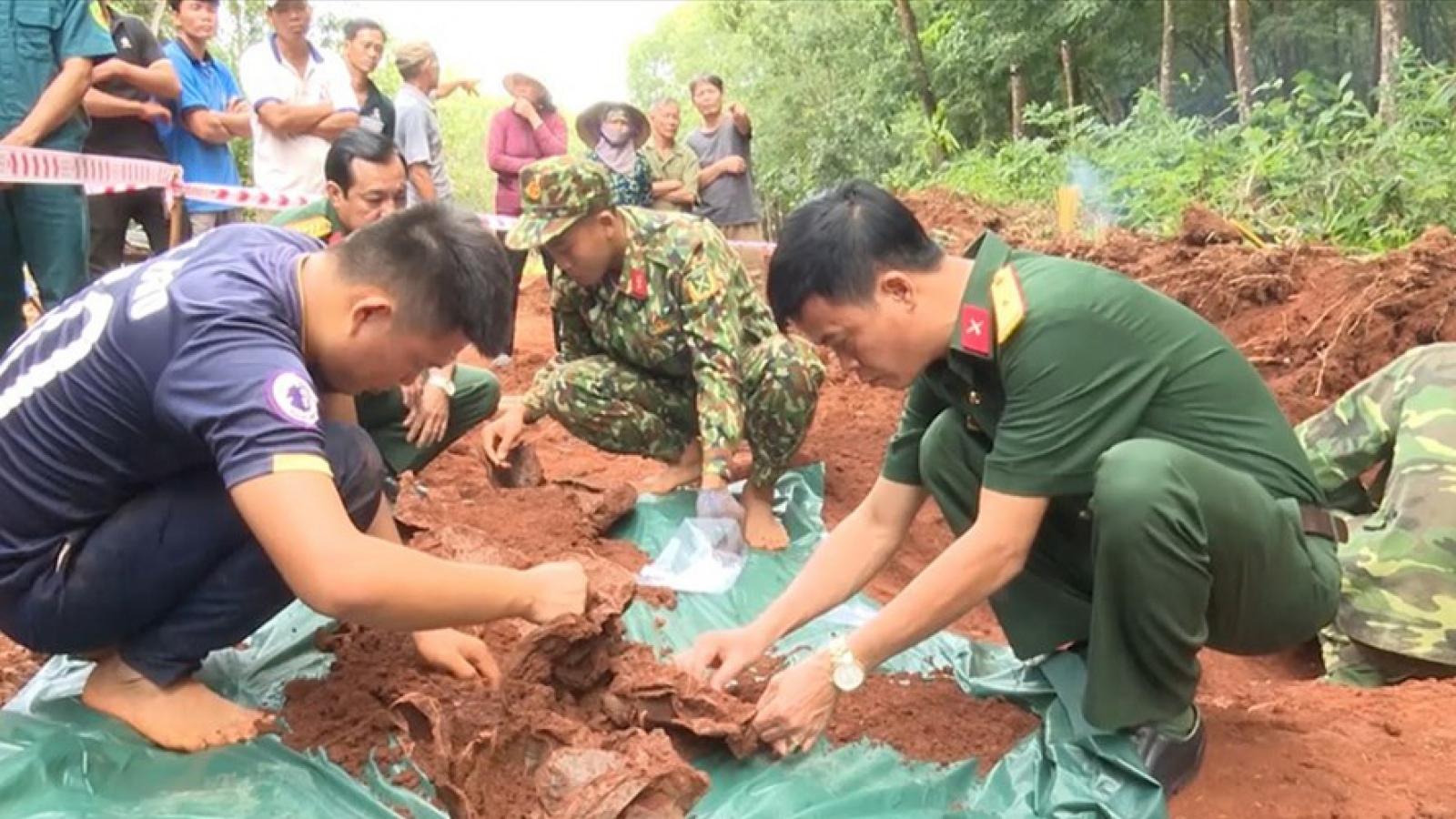 Truy điệu, an táng 58 hài cốt liệt sĩ cất bốc tại bệnh xá ở Bình Phước