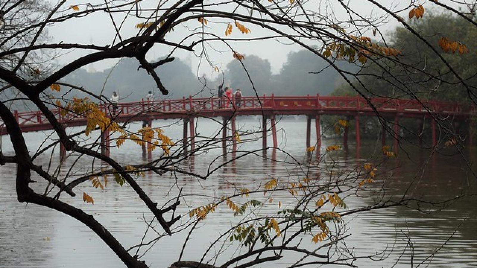 Thời tiết ngày 23/12: Miền Bắc ấm dần, trưa hửng nắng