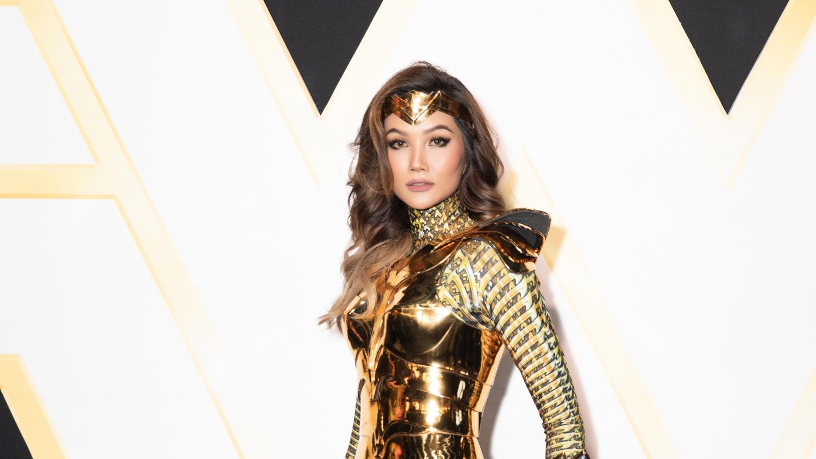 """H'Hen Niê hoá """"chị đại"""" Wonder Woman đầy quyền lực"""