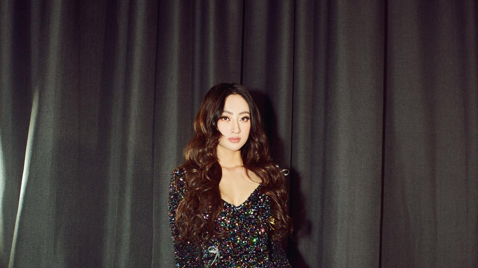 Hoa hậu Lương Thùy Linh hóa thân thành búp bê trên sàn diễn thời trang