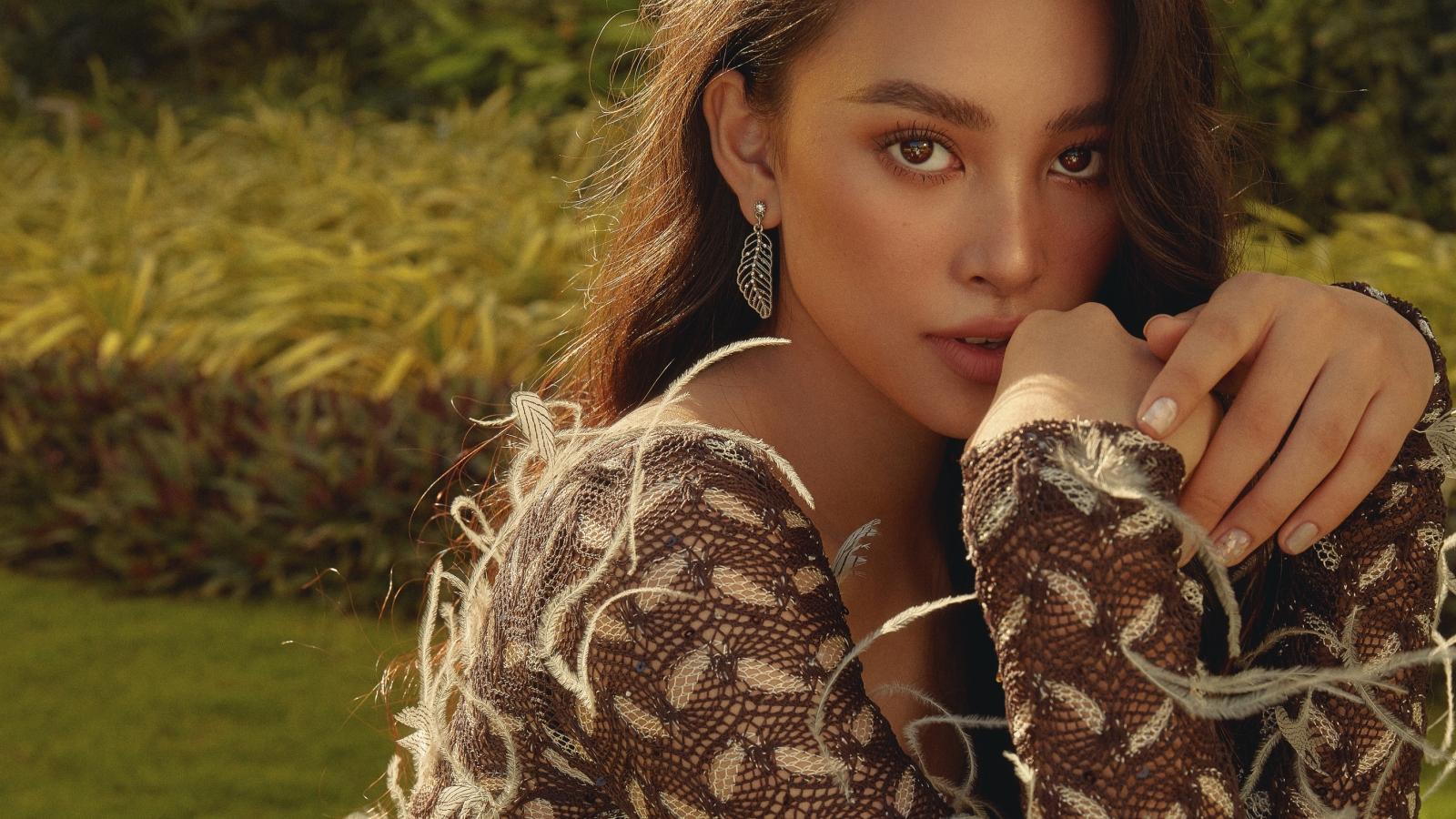 Hoa hậu Tiểu Vy lột xác trong bộ ảnh mới sau khi kết thúc nhiệm kỳ
