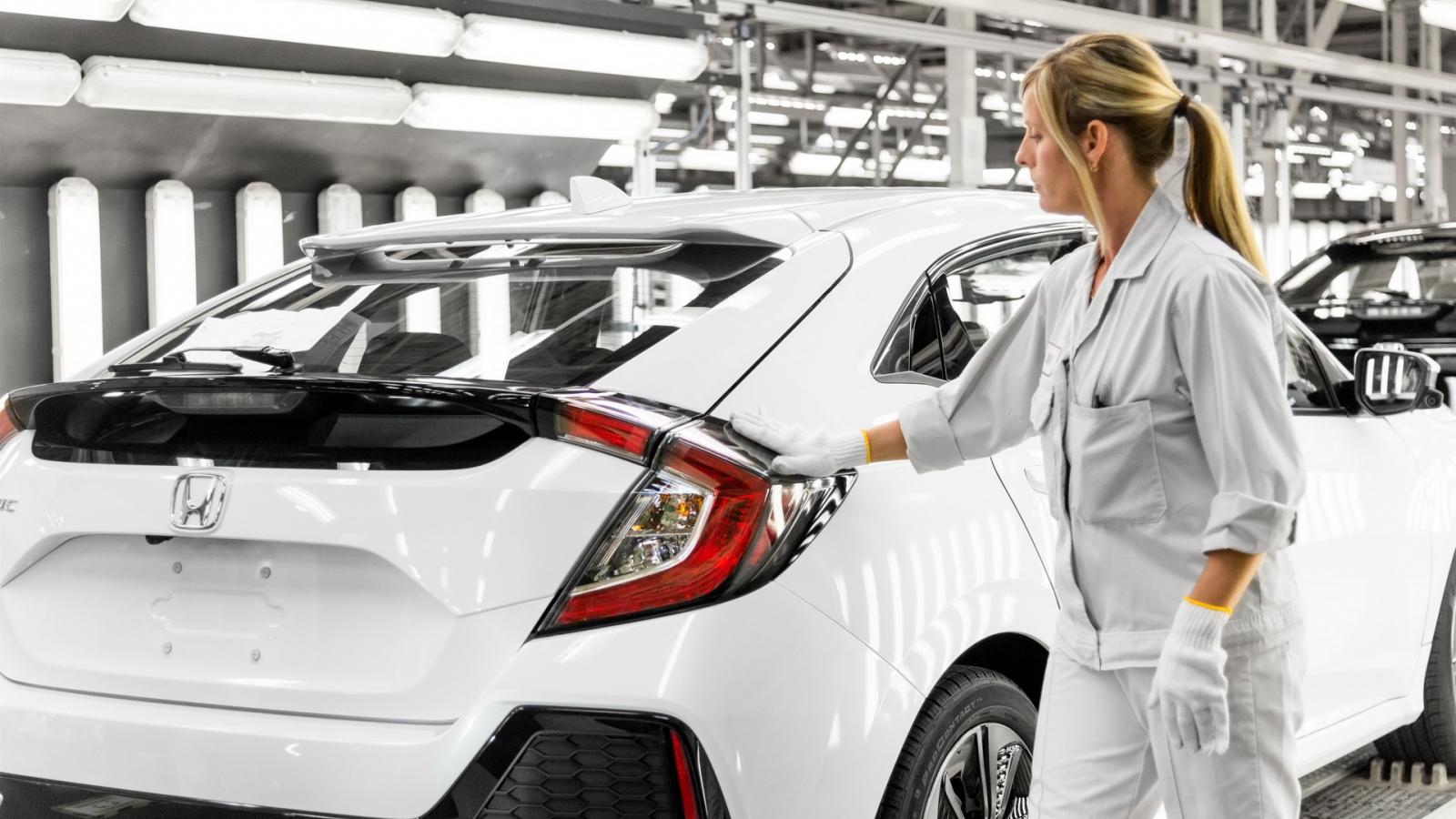 Honda ngừng sản xuất tại Anh do thiếu phụ tùng