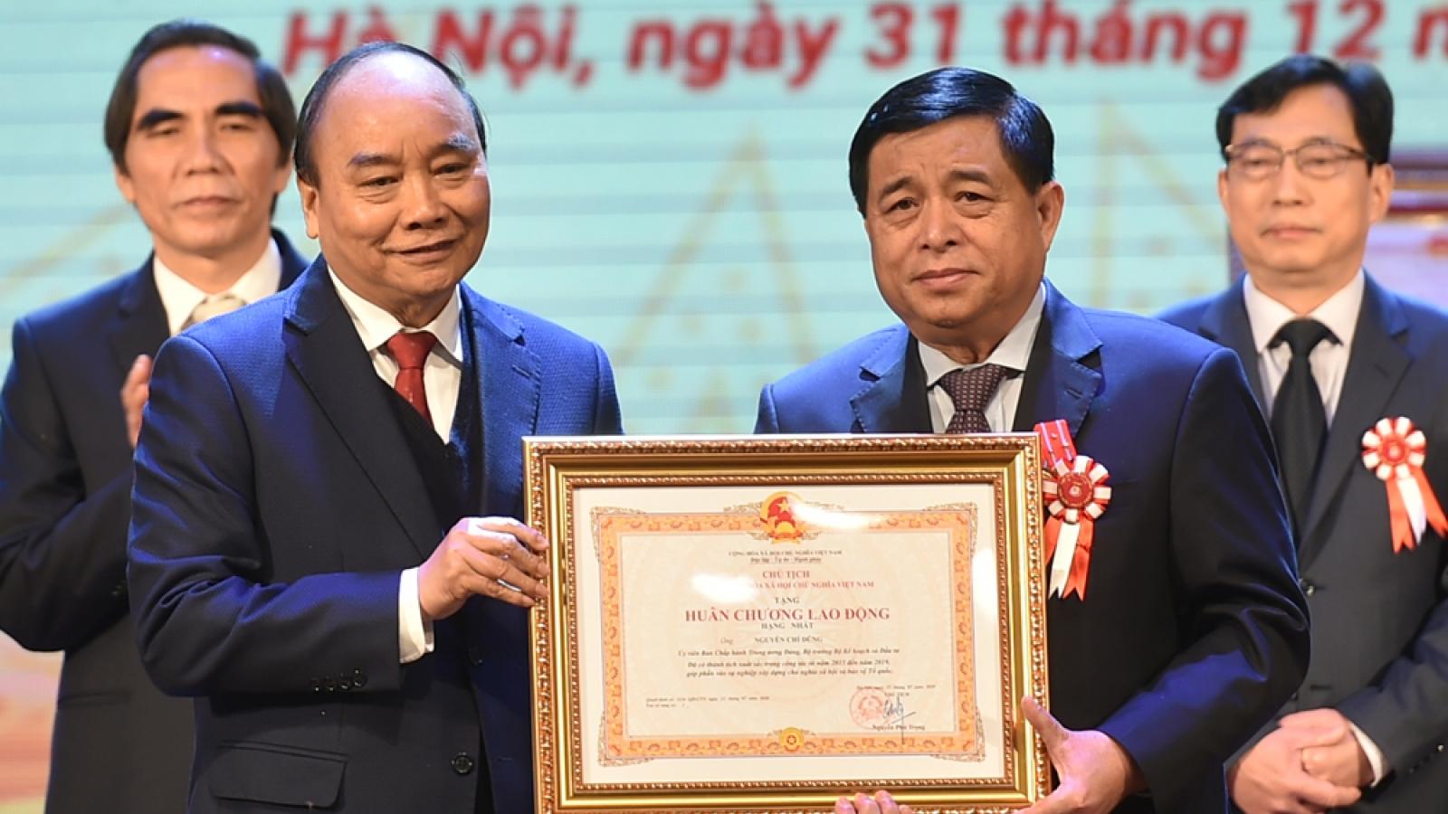 Bộ Kế hoạch và Đầu tư đón nhận Huân chương độc lập Hạng Nhất